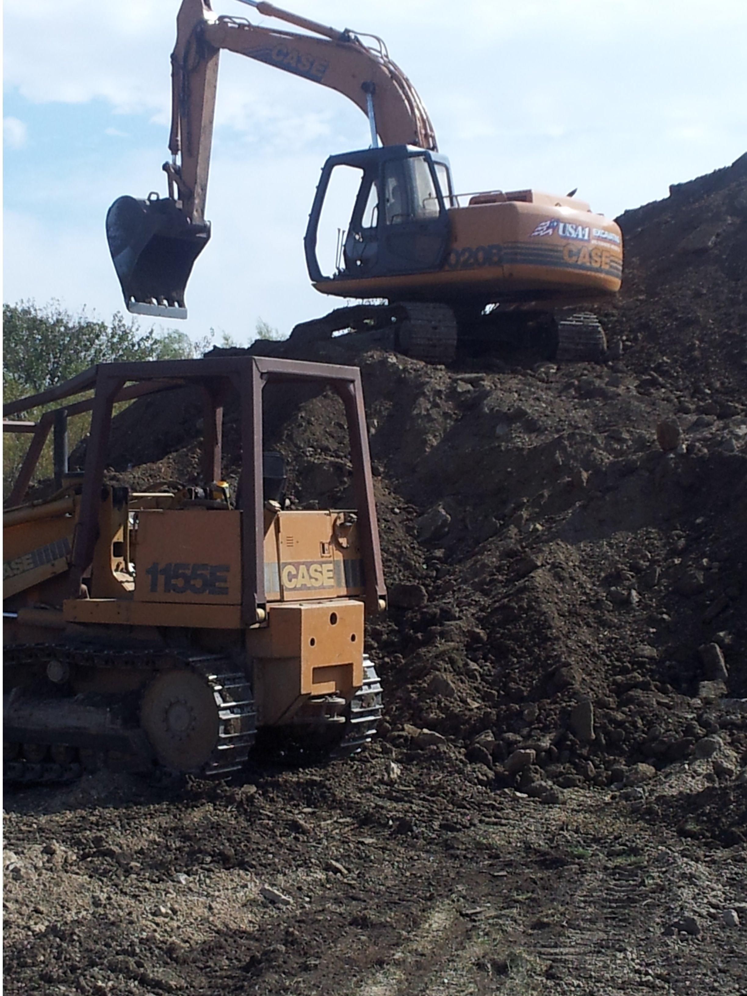 Usa 1 Excavating image 1
