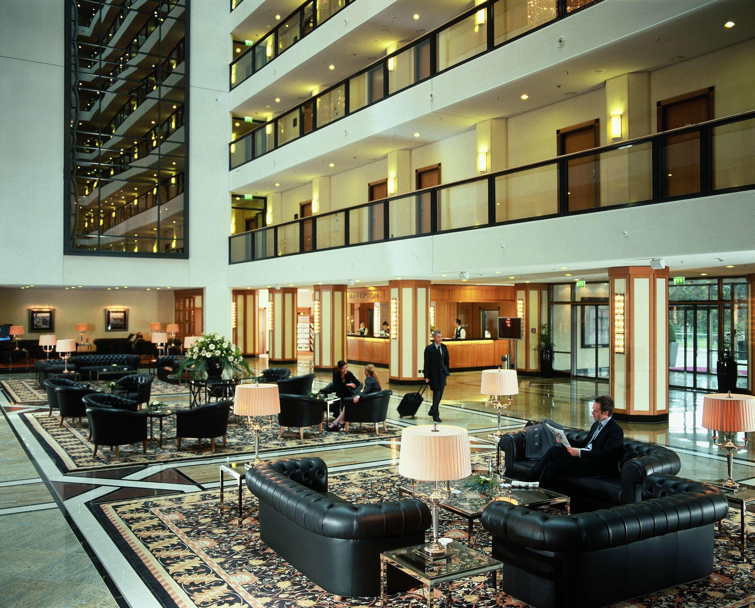 maritim hotel dresden hotels hotels restaurants. Black Bedroom Furniture Sets. Home Design Ideas