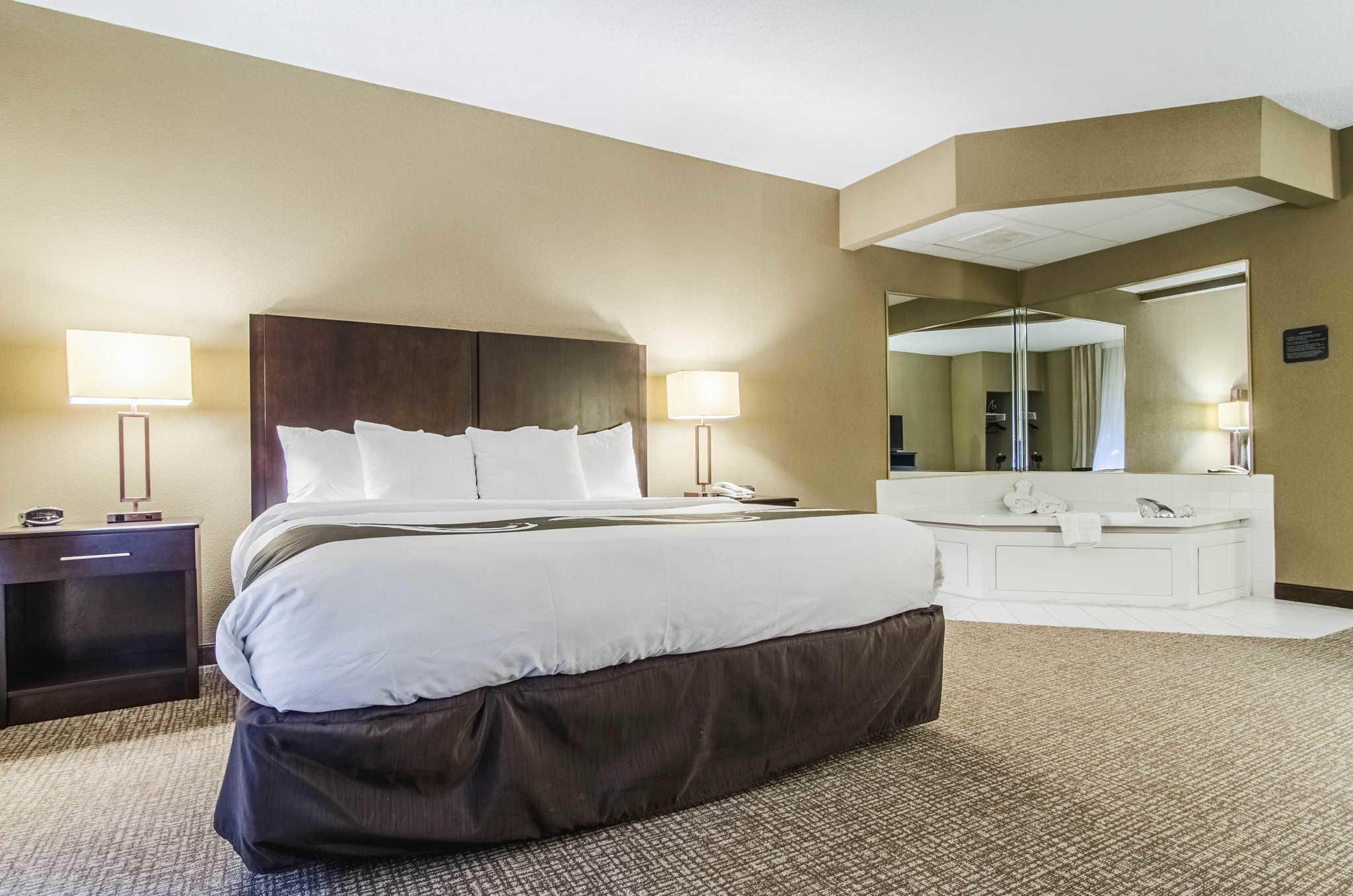 Quality Suites image 10