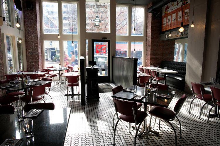 Aux Bar image 4