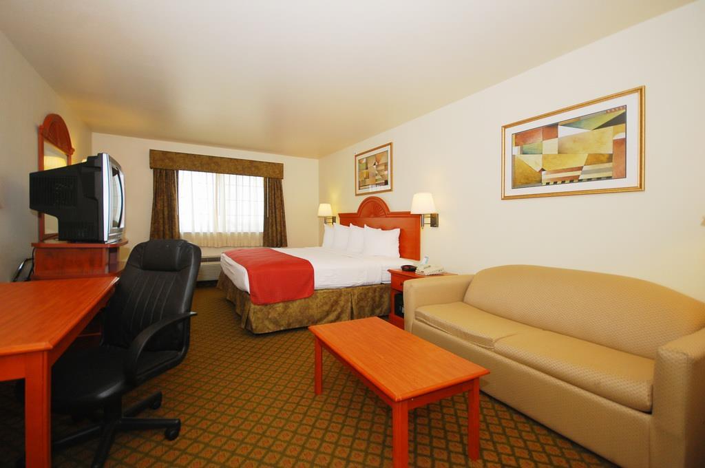 Best Western Henrietta Inn & Suites image 11