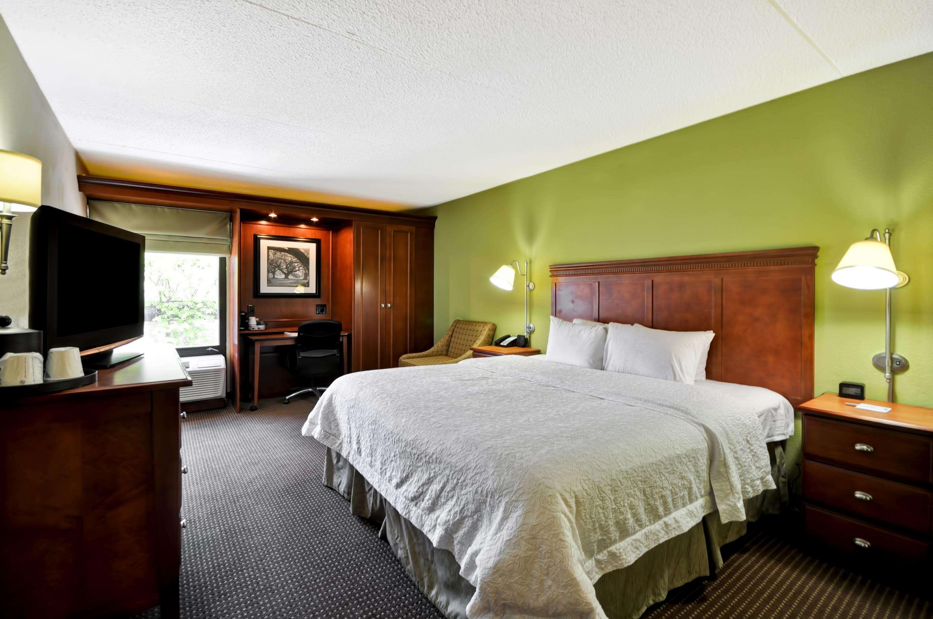 Hampton Inn St. Louis/Westport image 29