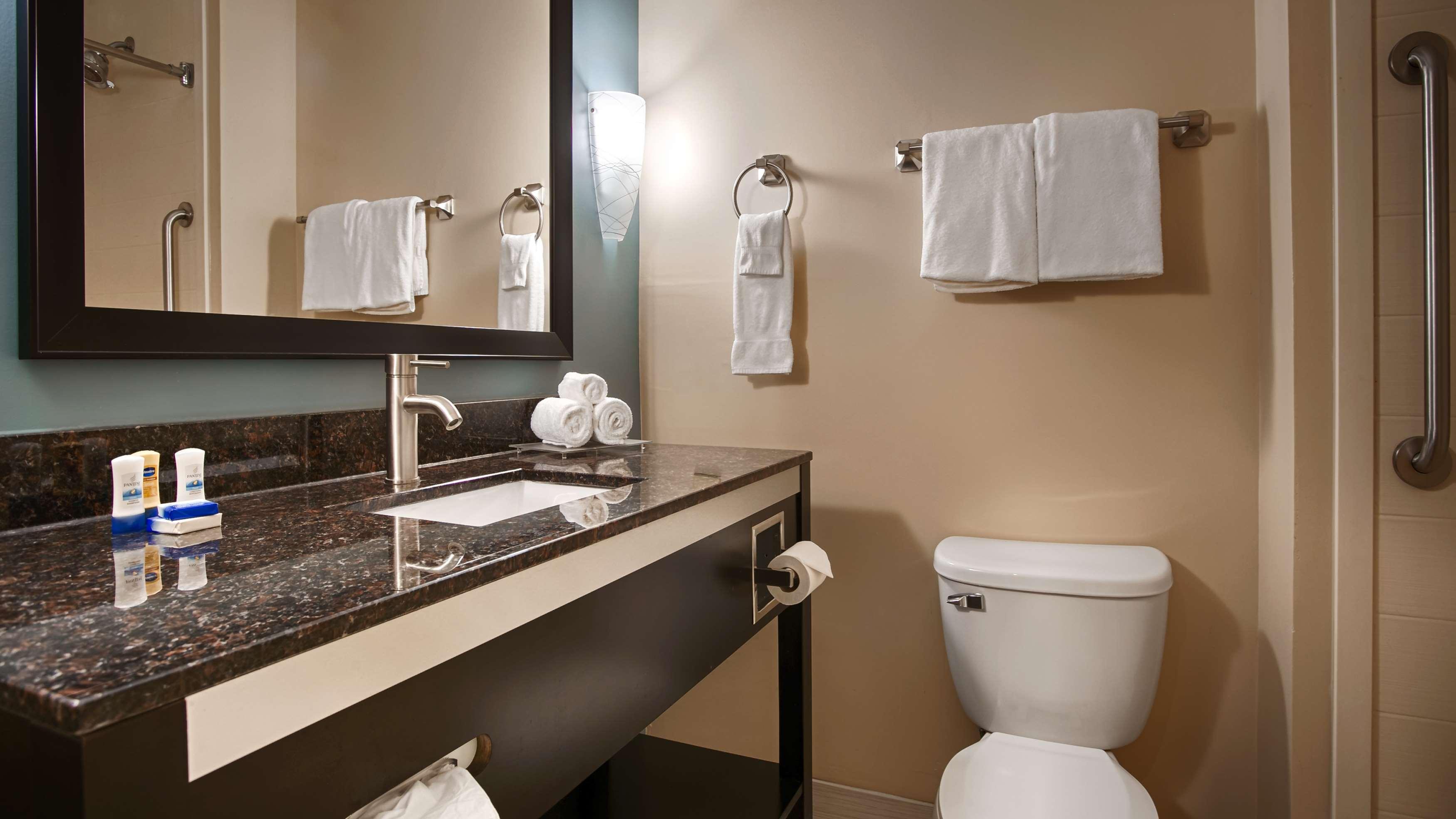 Best Western Plus JFK Inn & Suites image 16