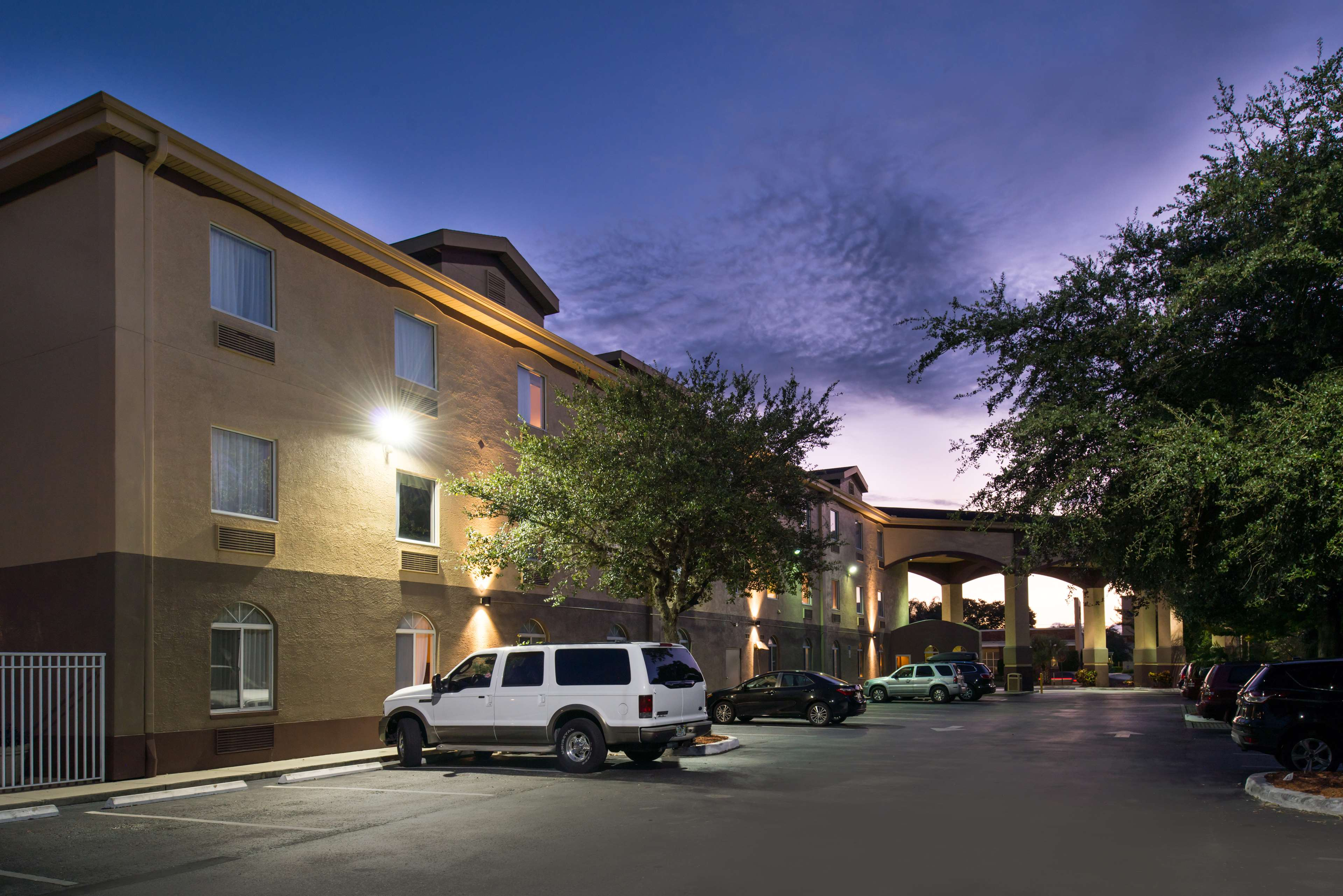 Best Western Tampa image 17