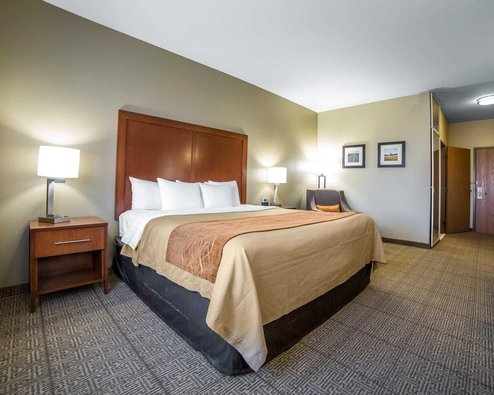 Comfort Inn Evansville-Casper image 12