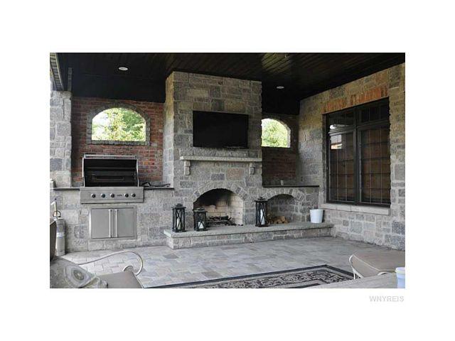 Donna Littlefield Real Estate image 3
