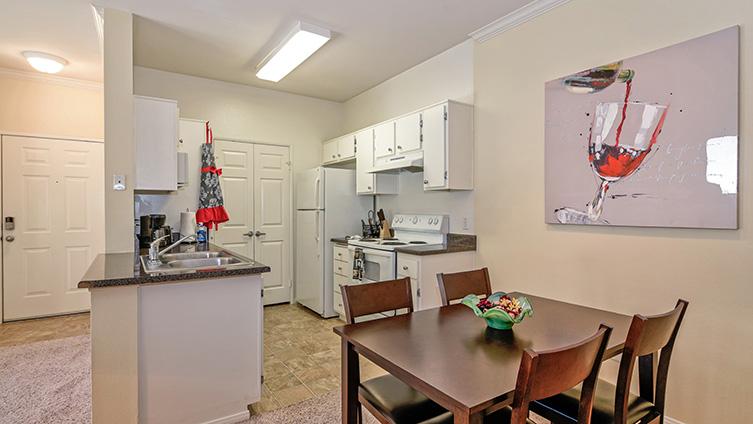 Capella at Rancho Del Oro Luxury Apartment Homes image 5