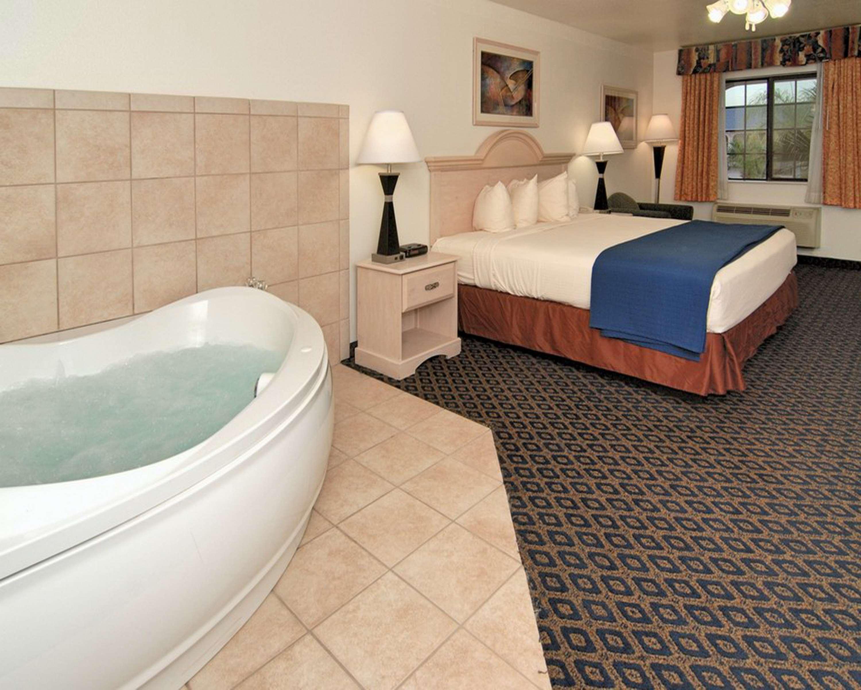 SureStay Hotel by Best Western Falfurrias image 41