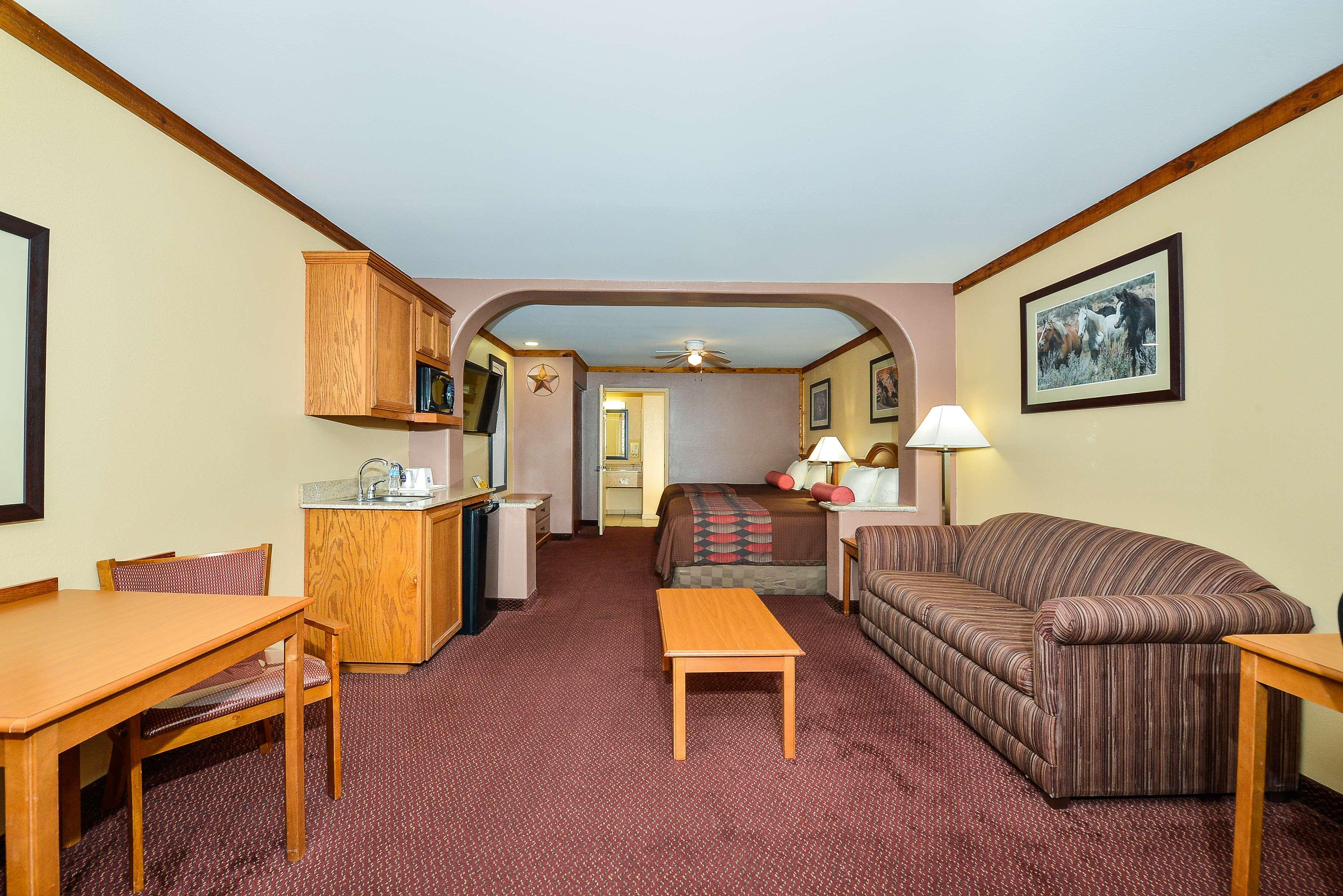 Best Western Windwood Inn & Suites image 20