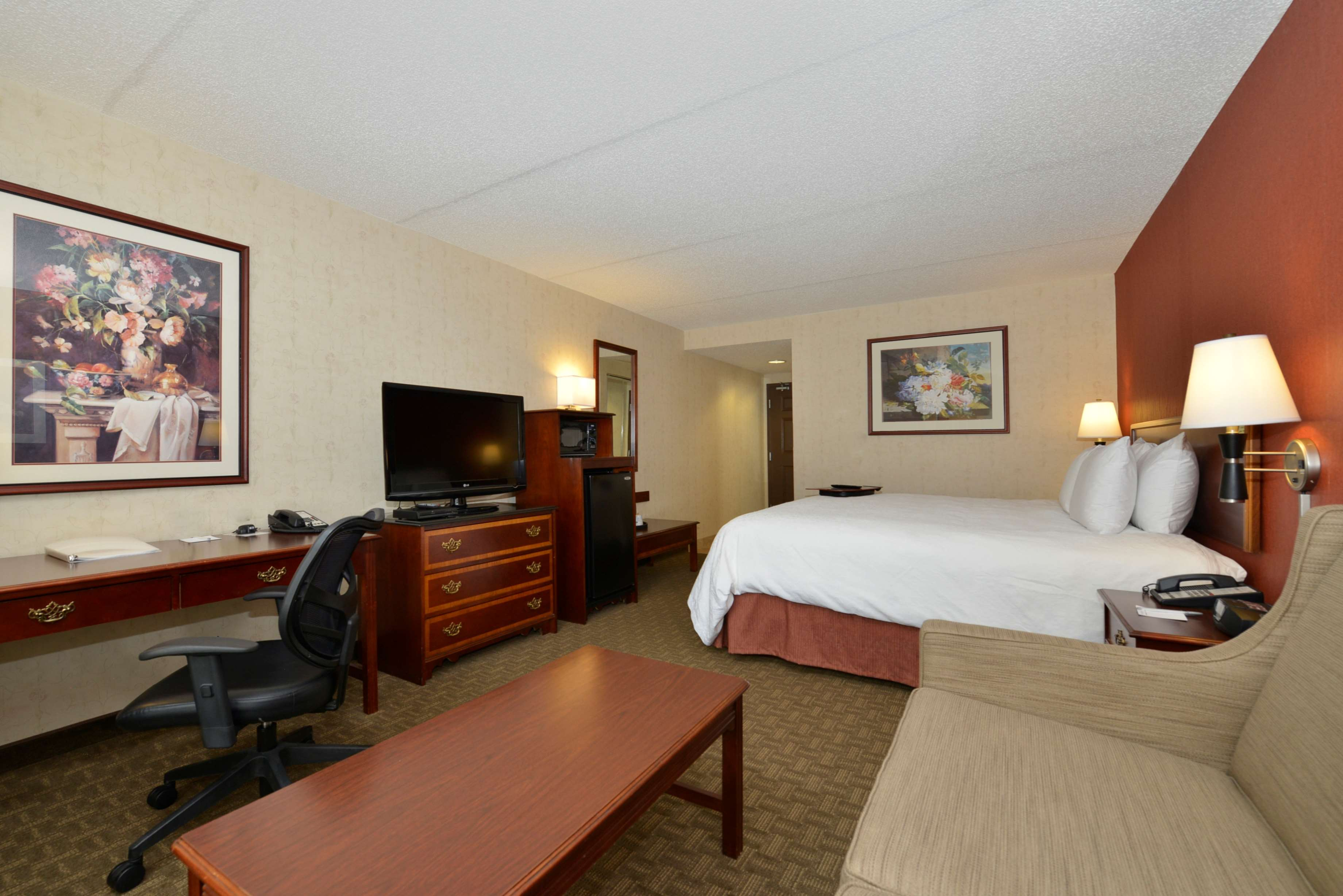 Hampton Inn East Aurora image 25