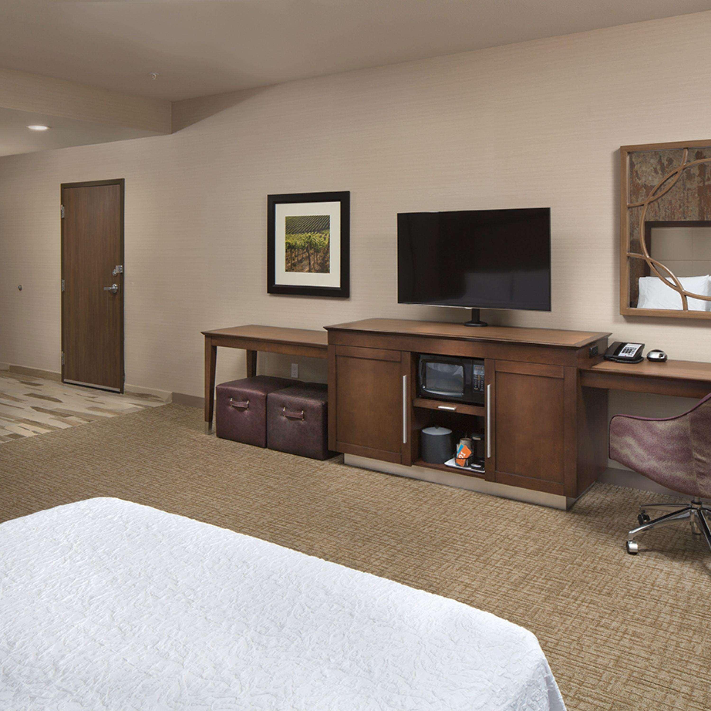 Hampton Inn & Suites Murrieta Temecula image 47