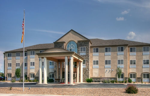 Holiday Inn Express & Suites Portales image 0