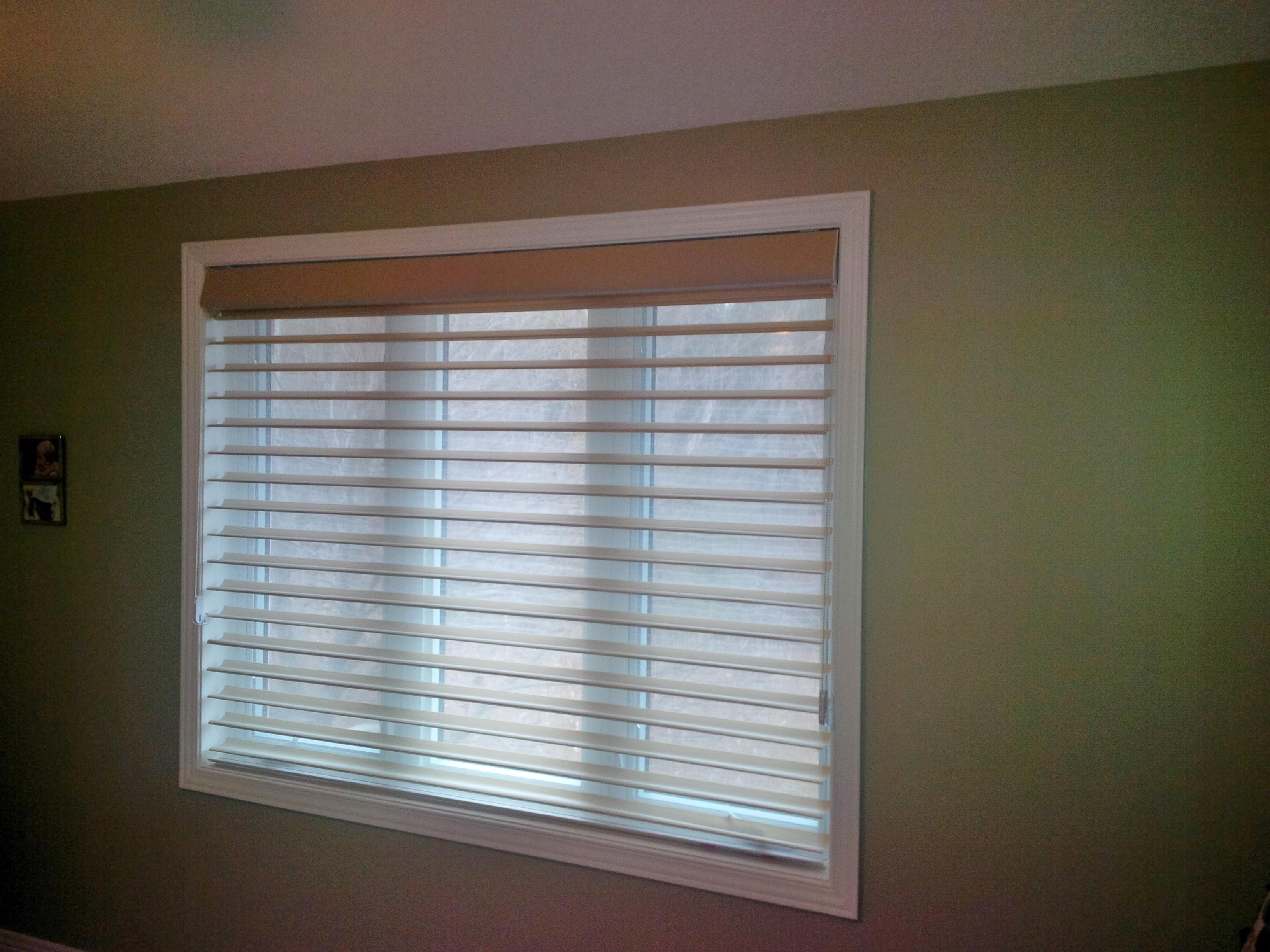 Budget Blinds à Waterloo: Horizontal Window Shadings have long been considered one of the most elegant window coverings.