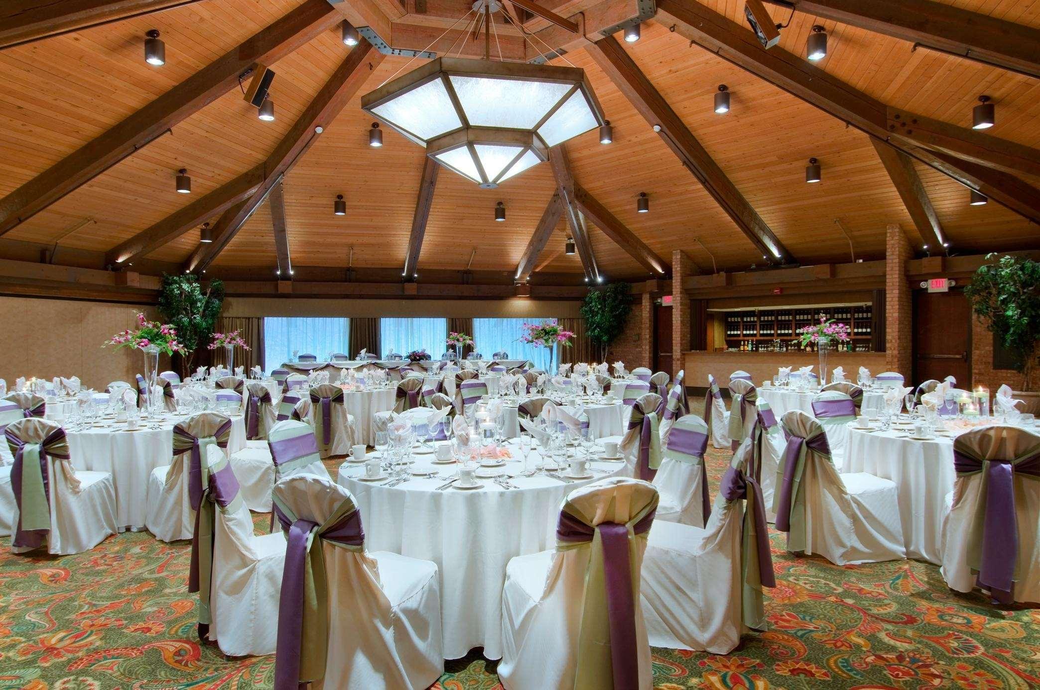 Hilton Chicago Indian Lakes image 9