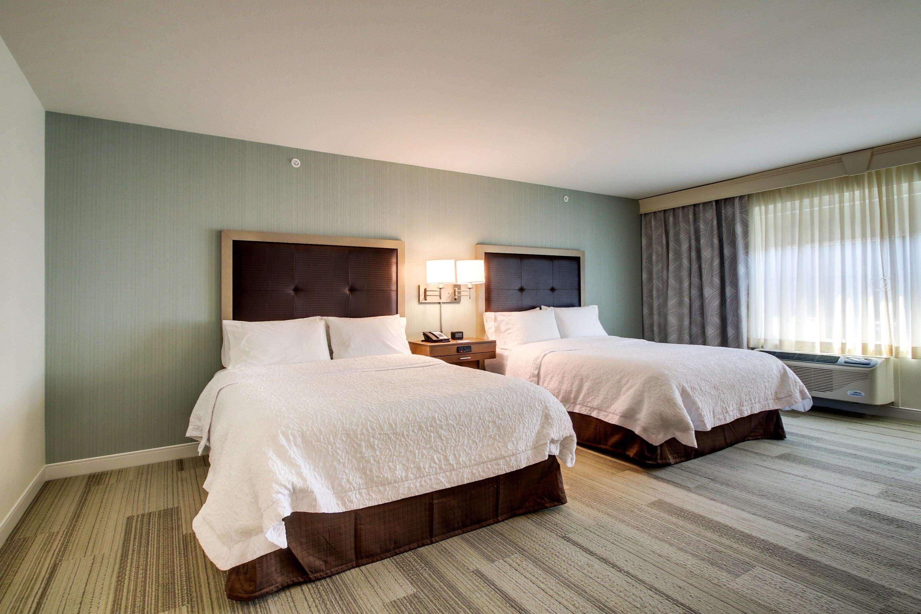 Hampton Inn & Suites Milwaukee West image 19
