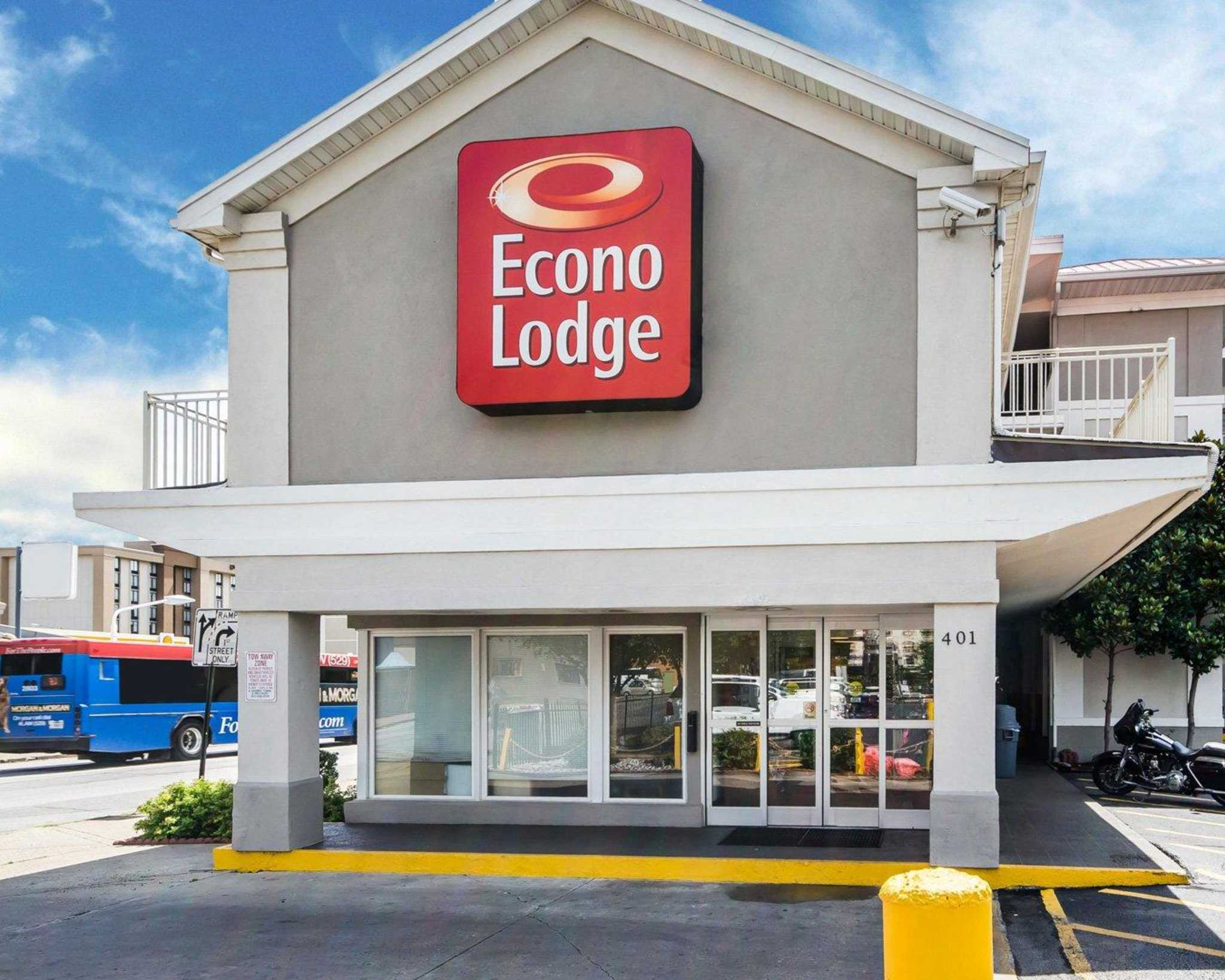Econo Lodge Downtown in Louisville, KY - (502) 583-2...