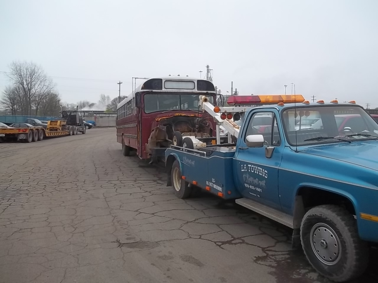 LA Towing & Recovery, LLC image 0