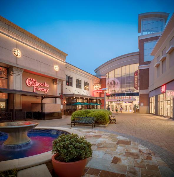 Cumberland Mall image 3