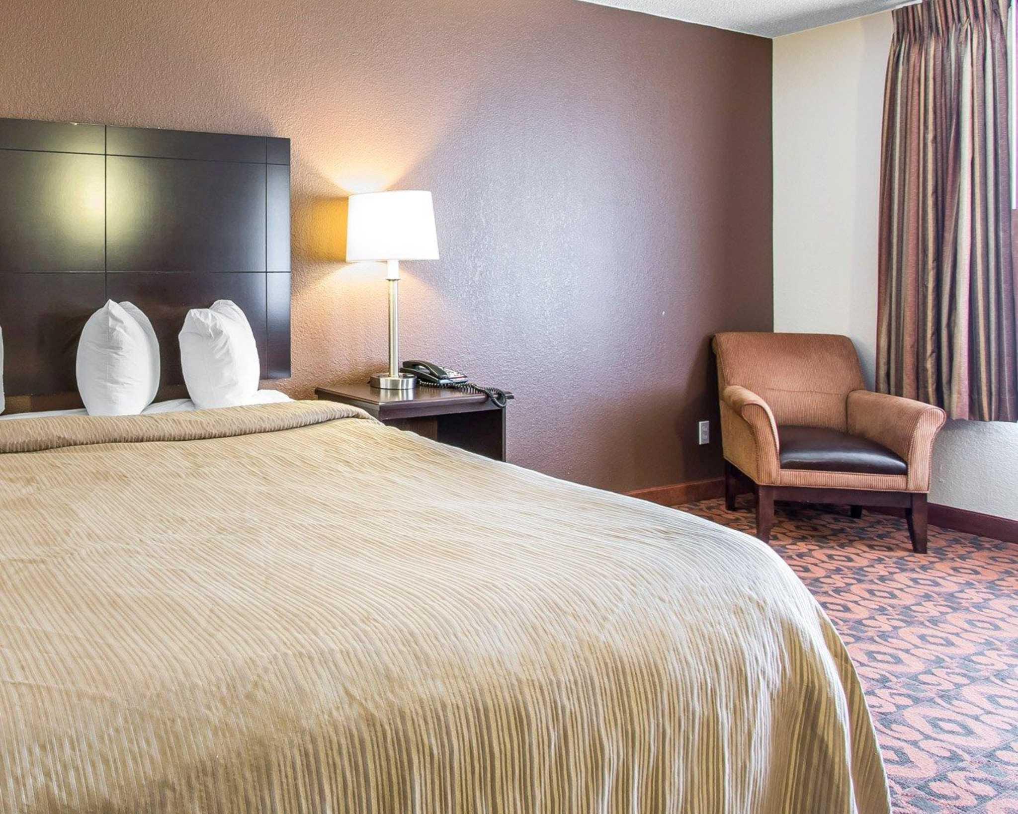 Quality Inn & Suites Fairgrounds West image 31