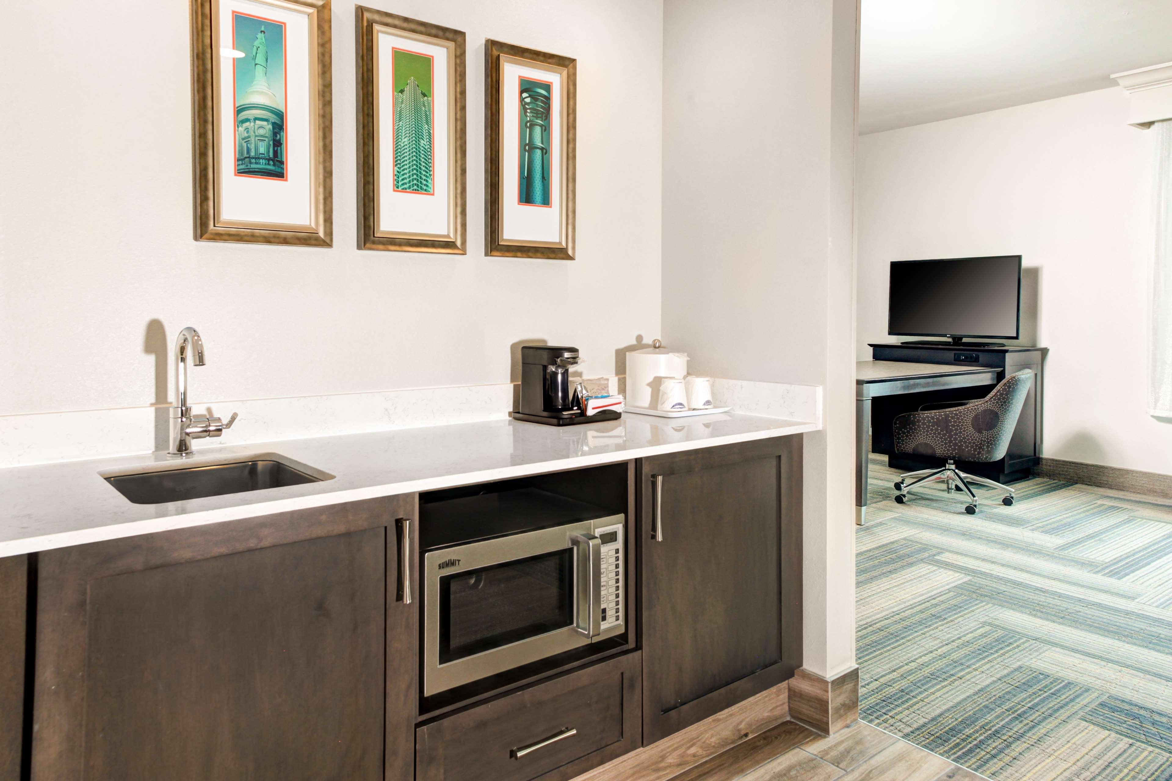 Hampton Inn & Suites by Hilton Atlanta Perimeter Dunwoody image 16