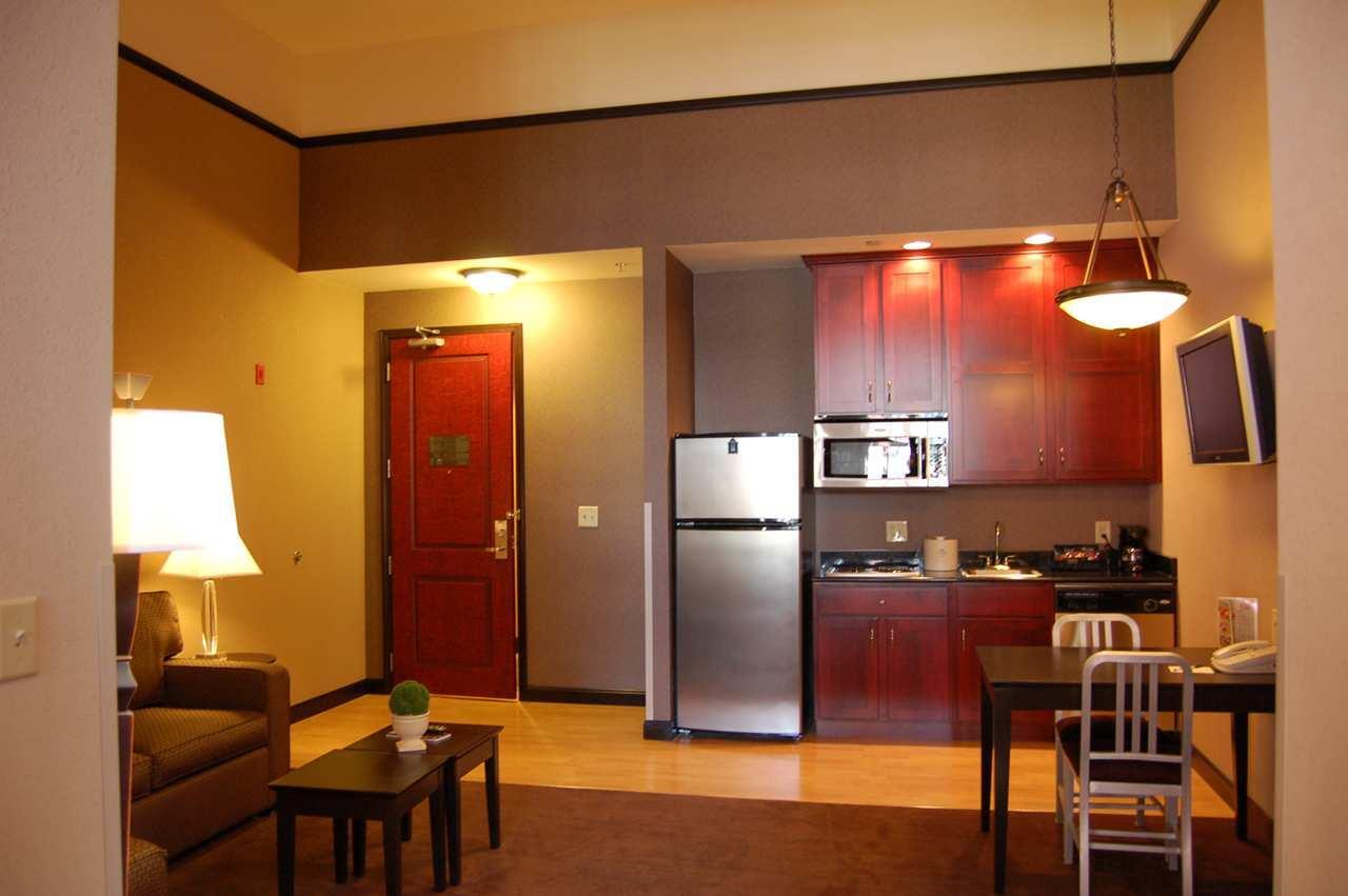 Homewood Suites by Hilton Indianapolis-Downtown image 9