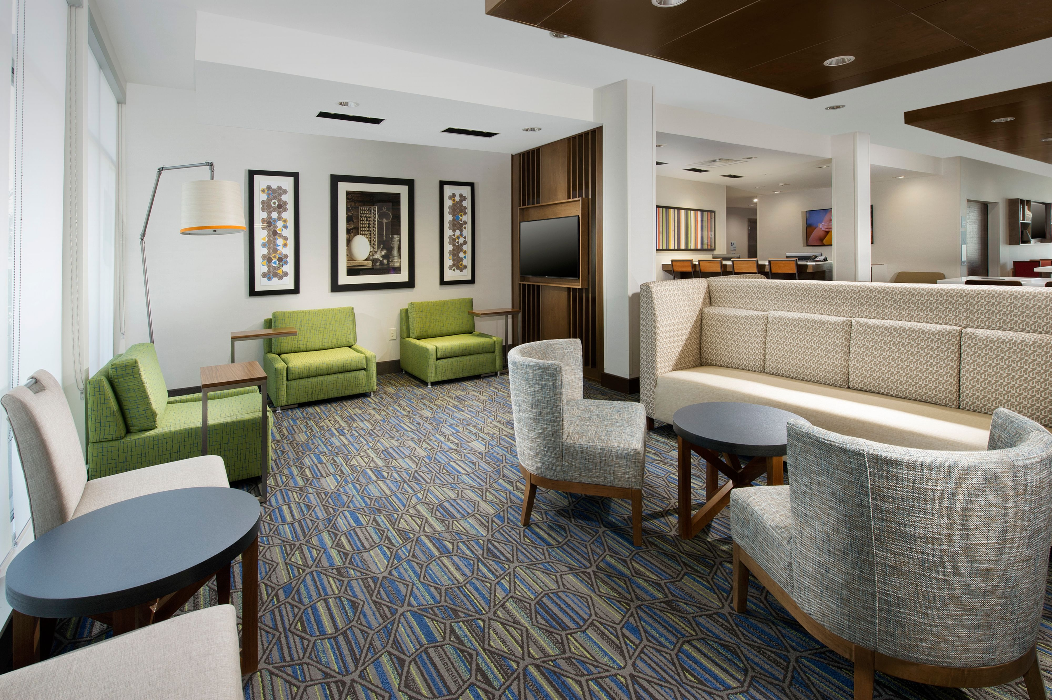 Holiday Inn Express & Suites New Braunfels image 3