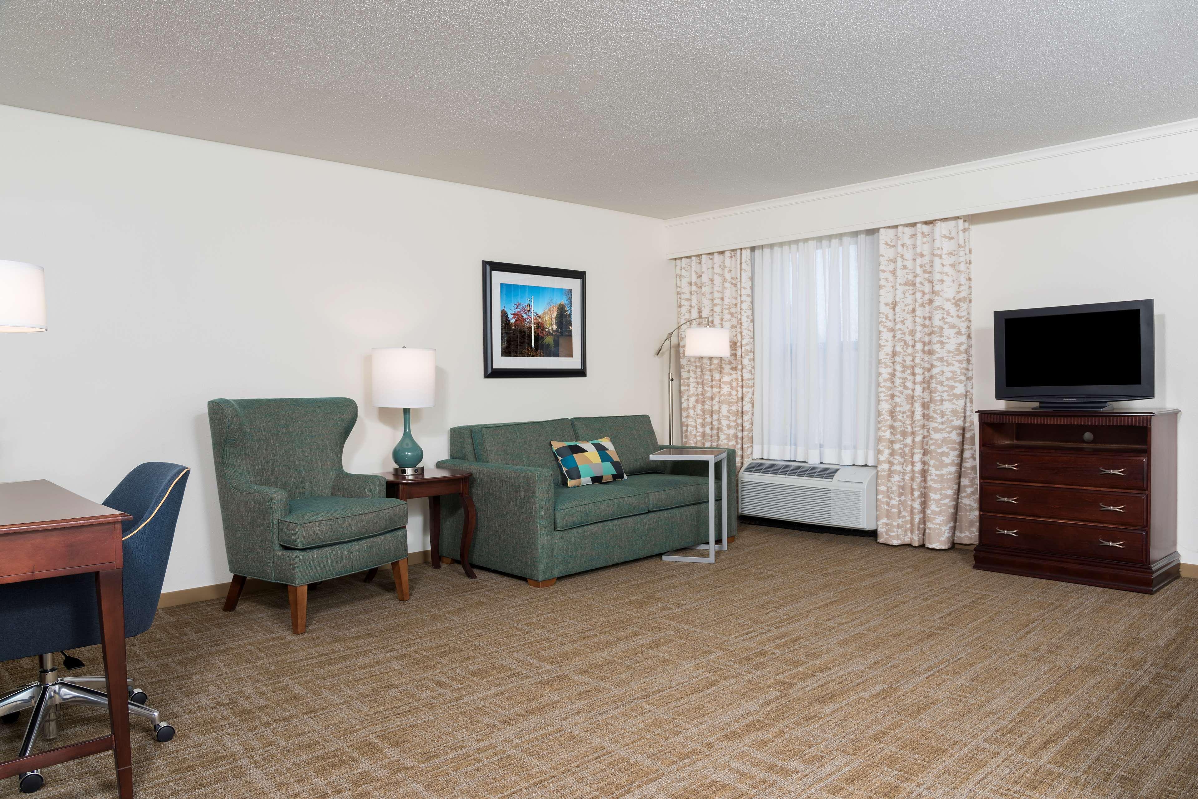 Hampton Inn East Lansing image 30