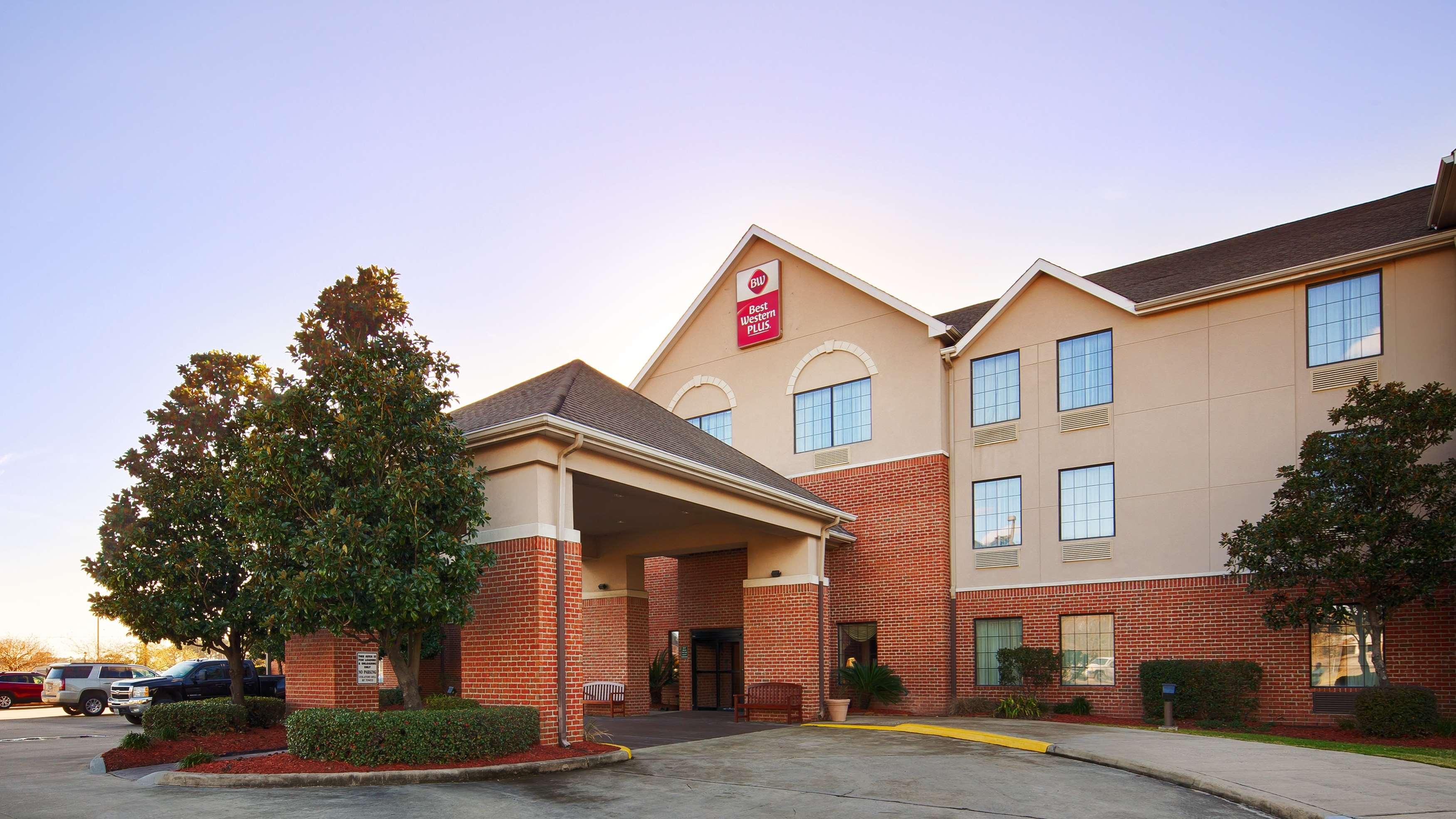 Best Western Plus Executive Hotel & Suites image 0
