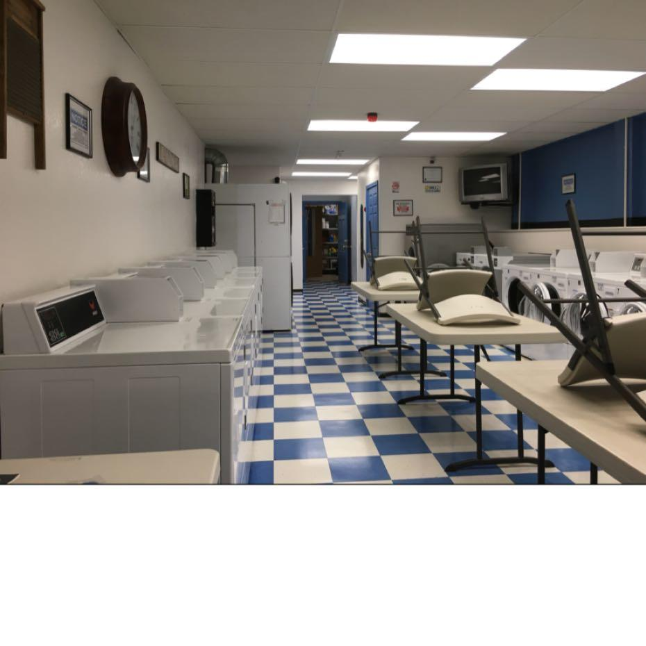 Squires Laundry and Showers image 0