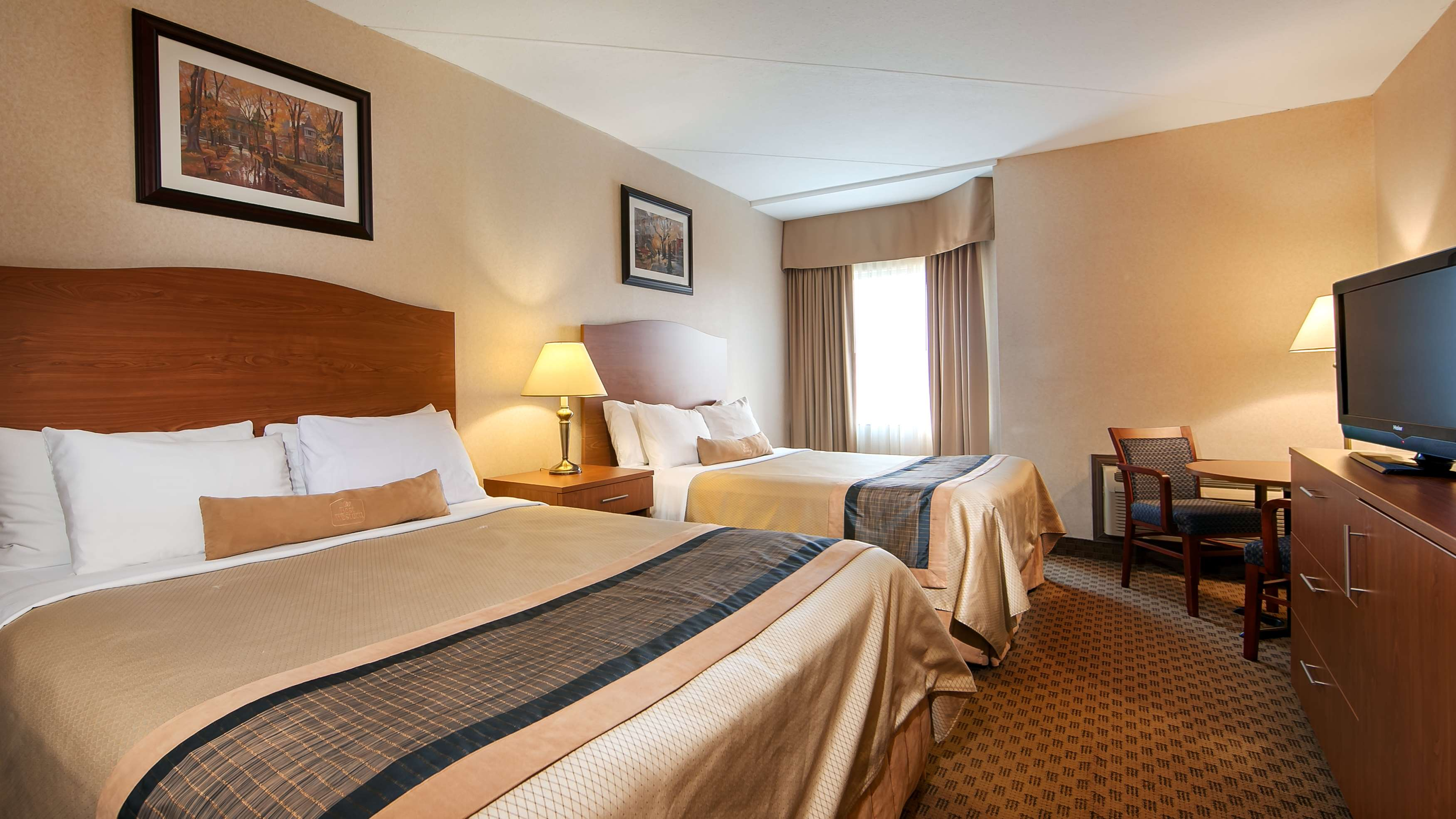 Best Western Laval-Montreal à Laval: Two Queen Bed Guest Room