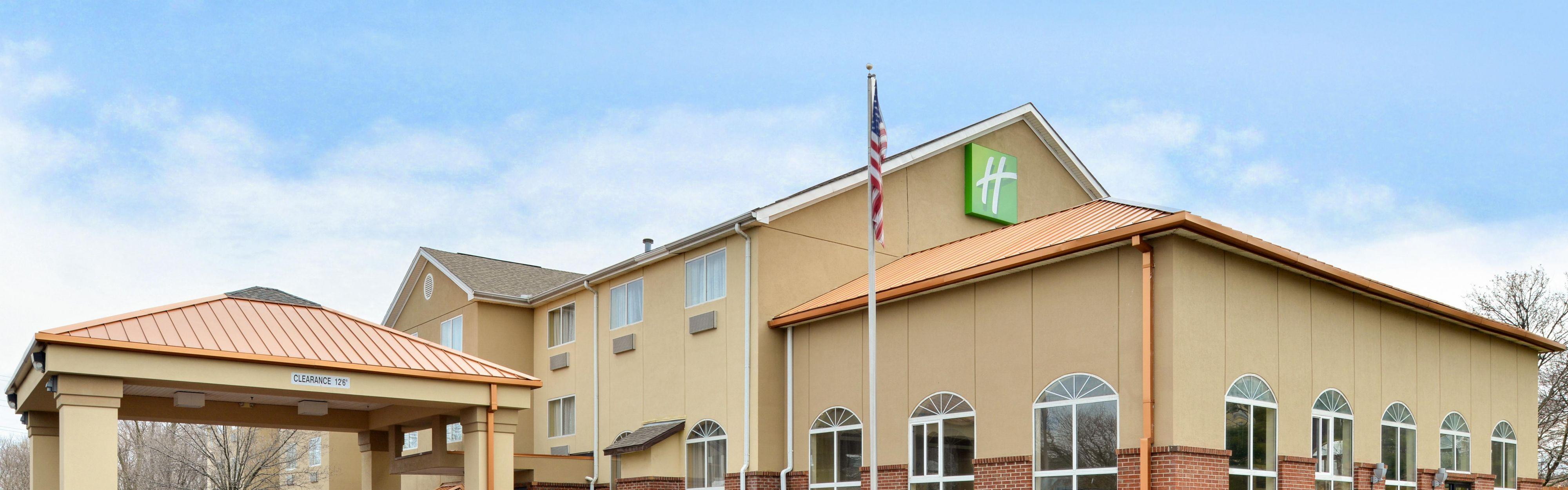 Holiday Inn Express Cincinnati-N/Sharonville image 0