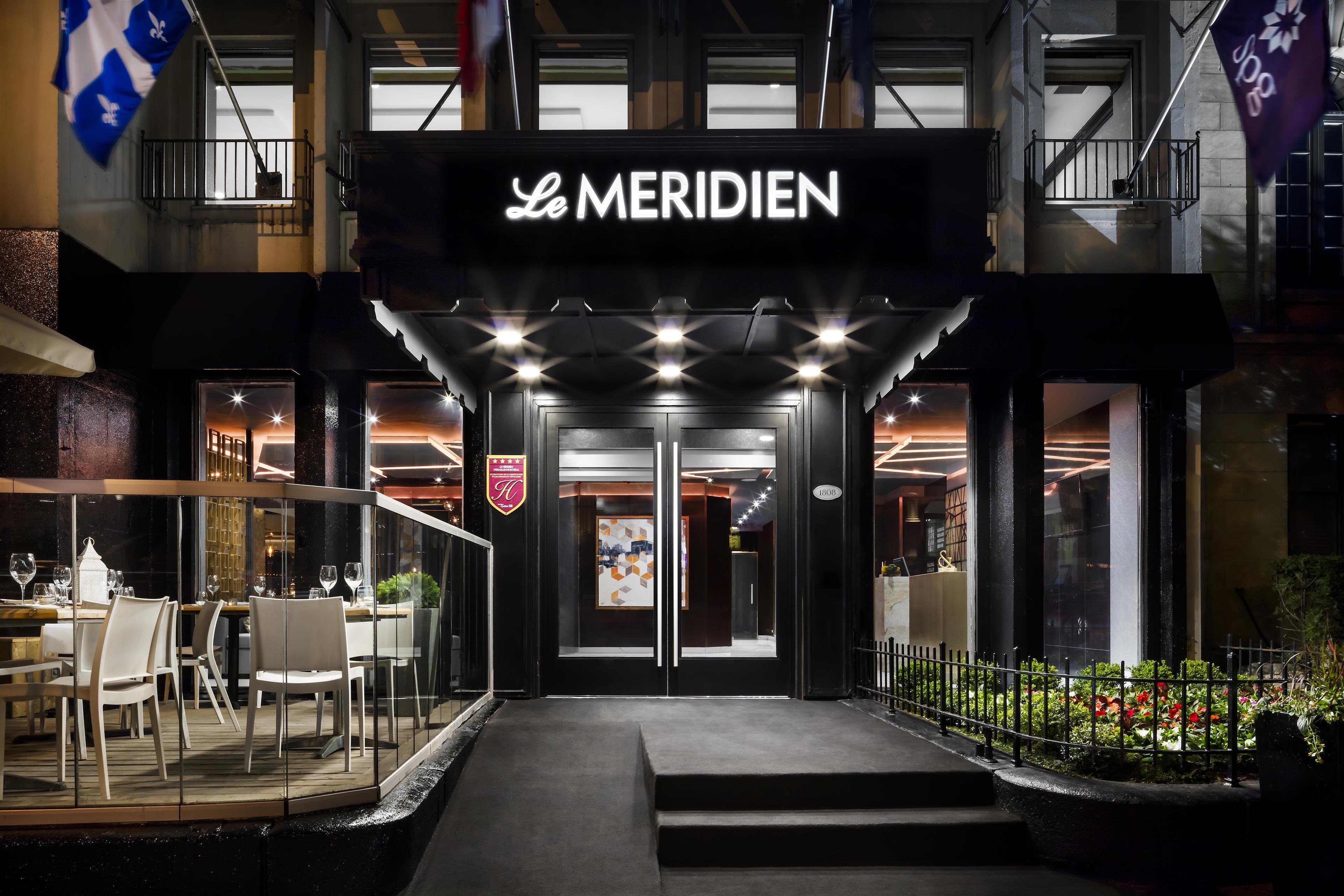 Le Méridien Versailles à Montreal: Hotel Entrance