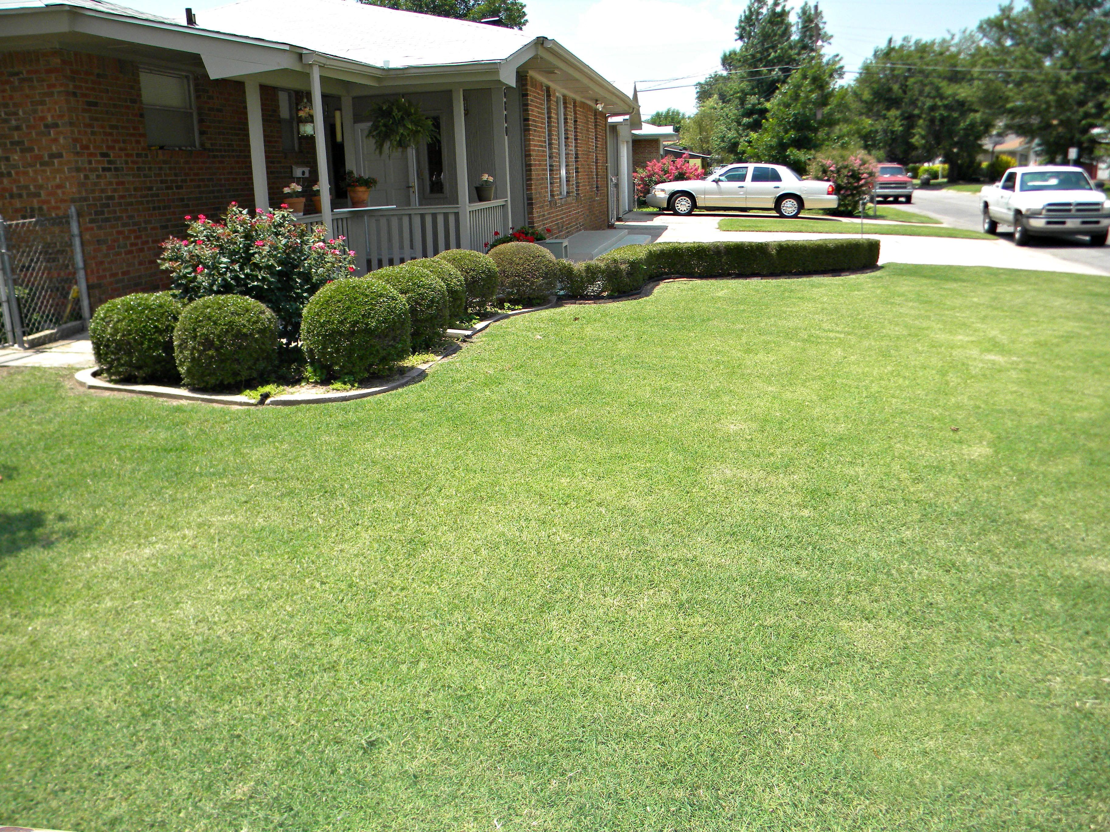 Emerald Lawns image 1