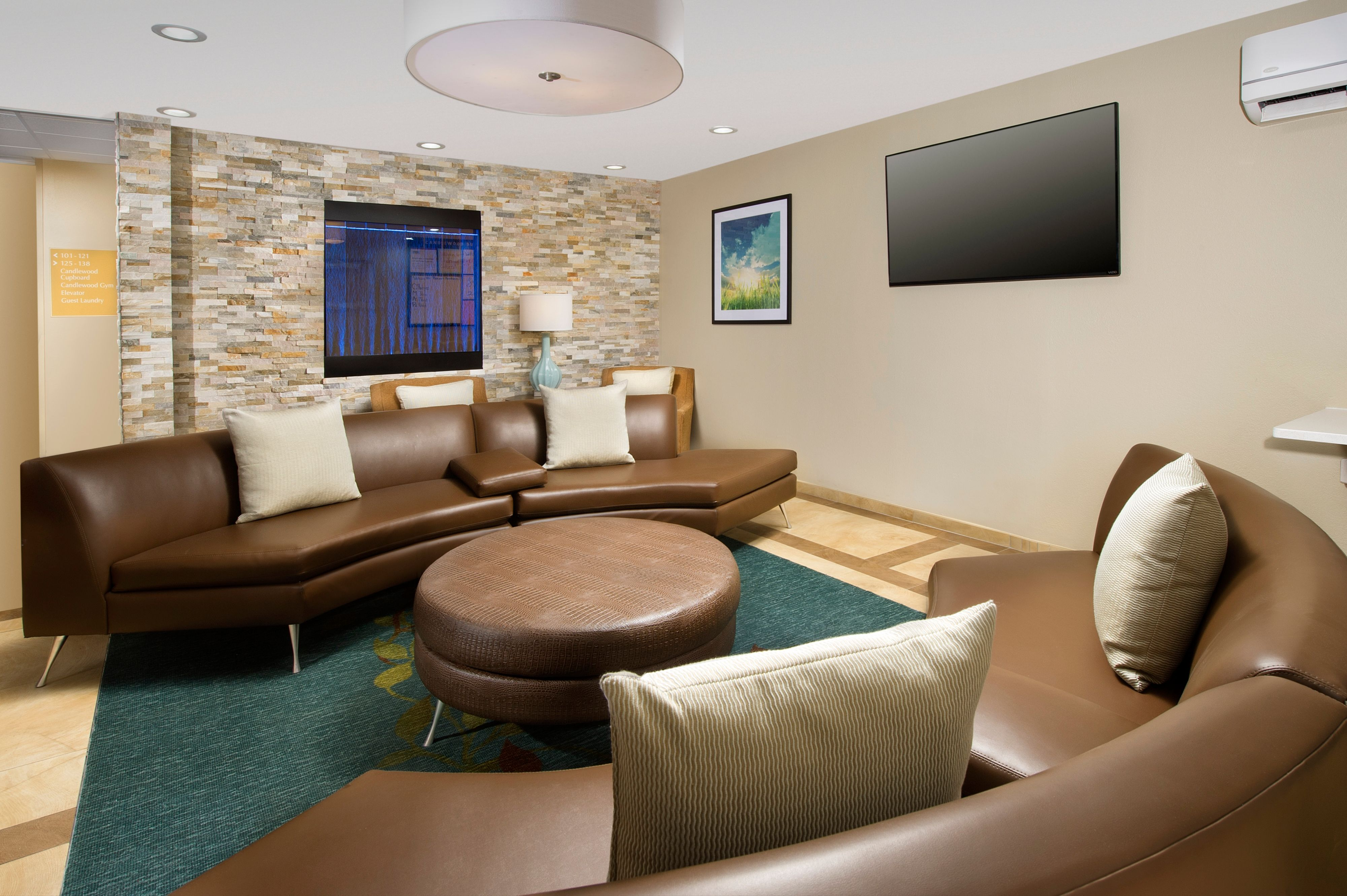 Candlewood Suites Richmond-South image 6