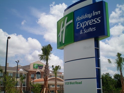 Holiday Inn Express & Suites Houston NW Beltway 8-West Road image 4
