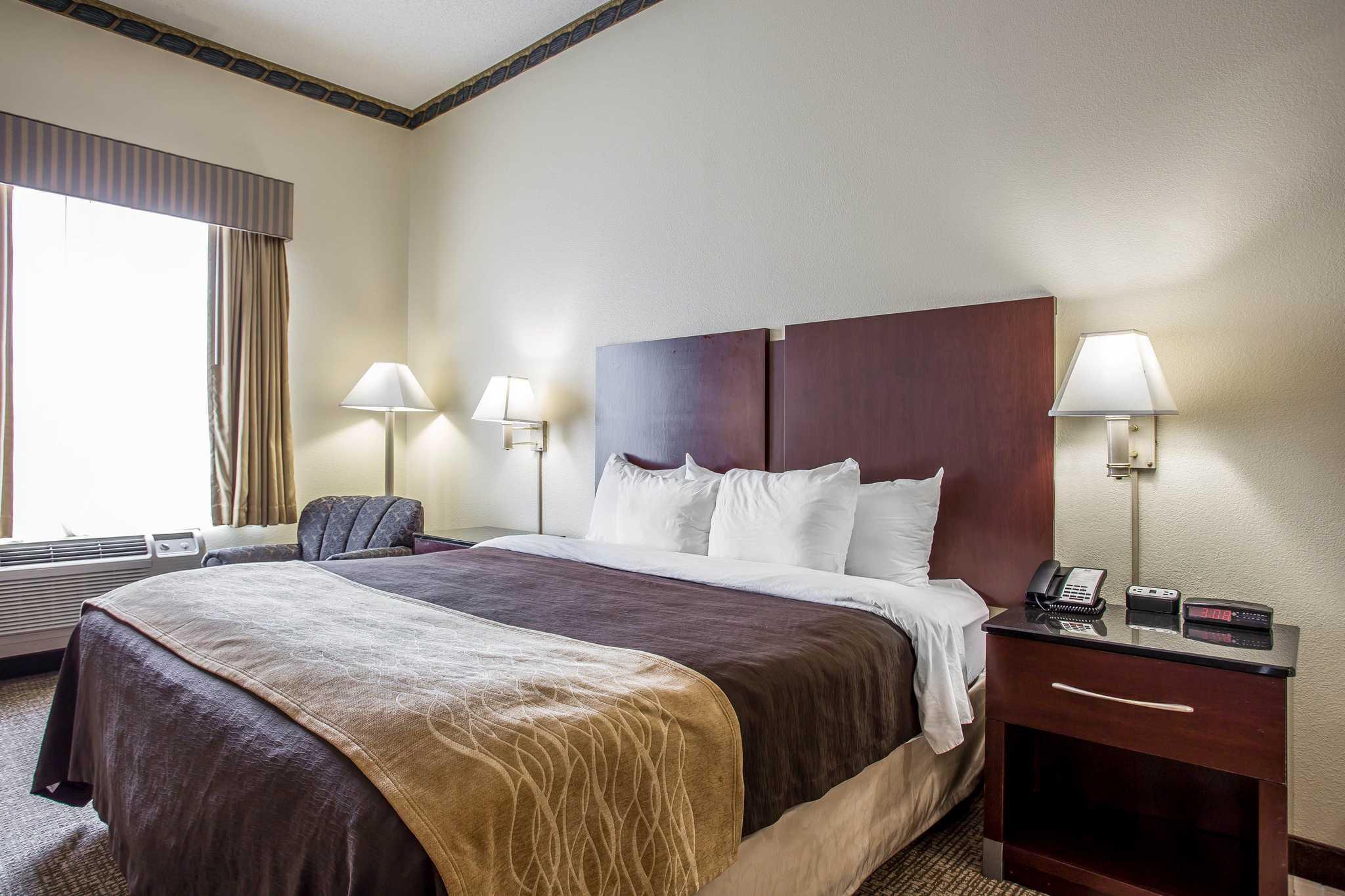 Comfort Inn & Suites Ft.Jackson Maingate image 24