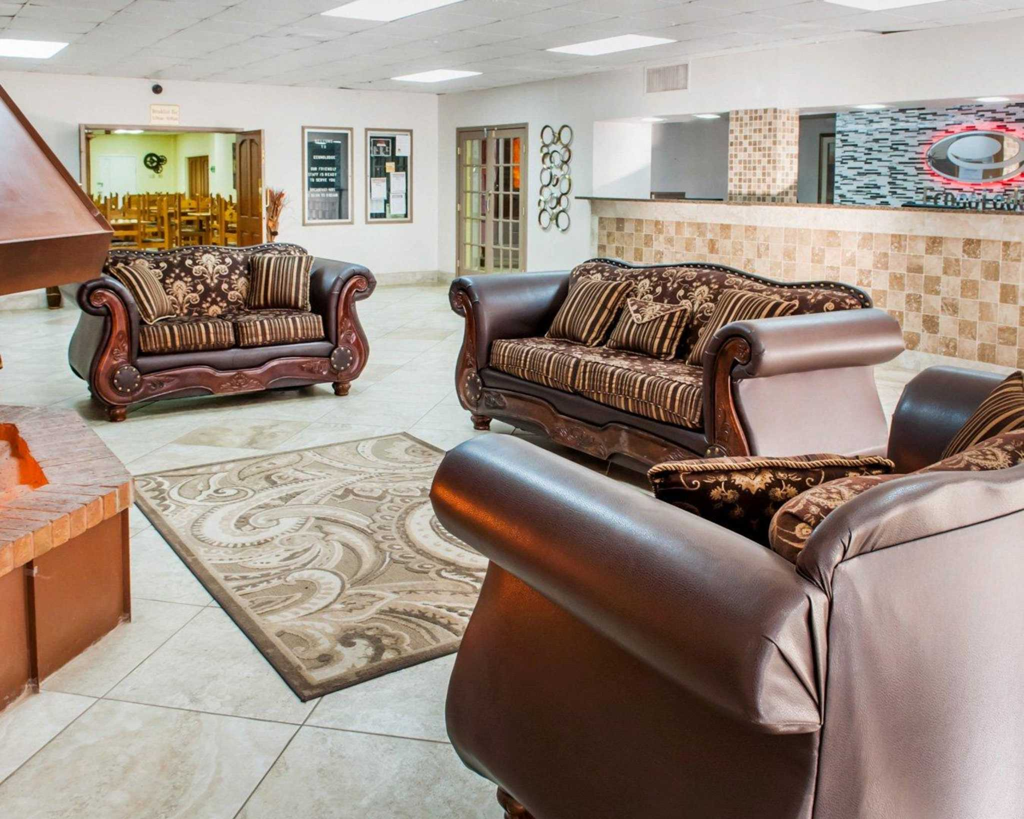 Econo Lodge image 18
