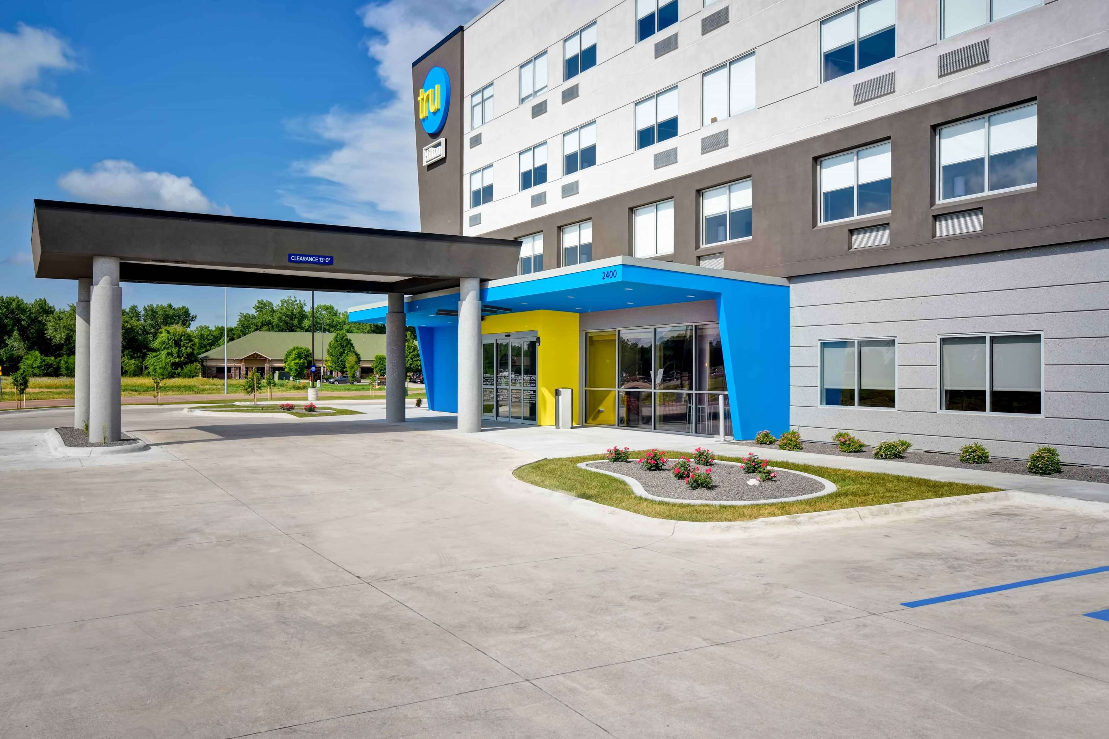 Tru by Hilton North Platte image 1