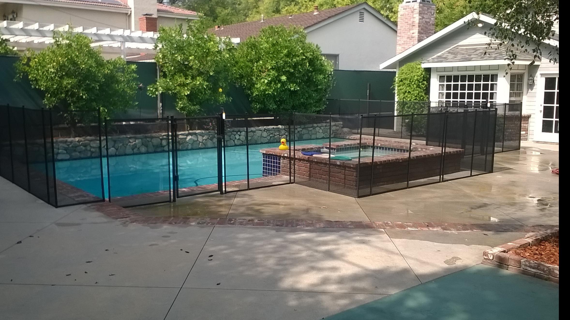 Nathans Pool Fence image 18