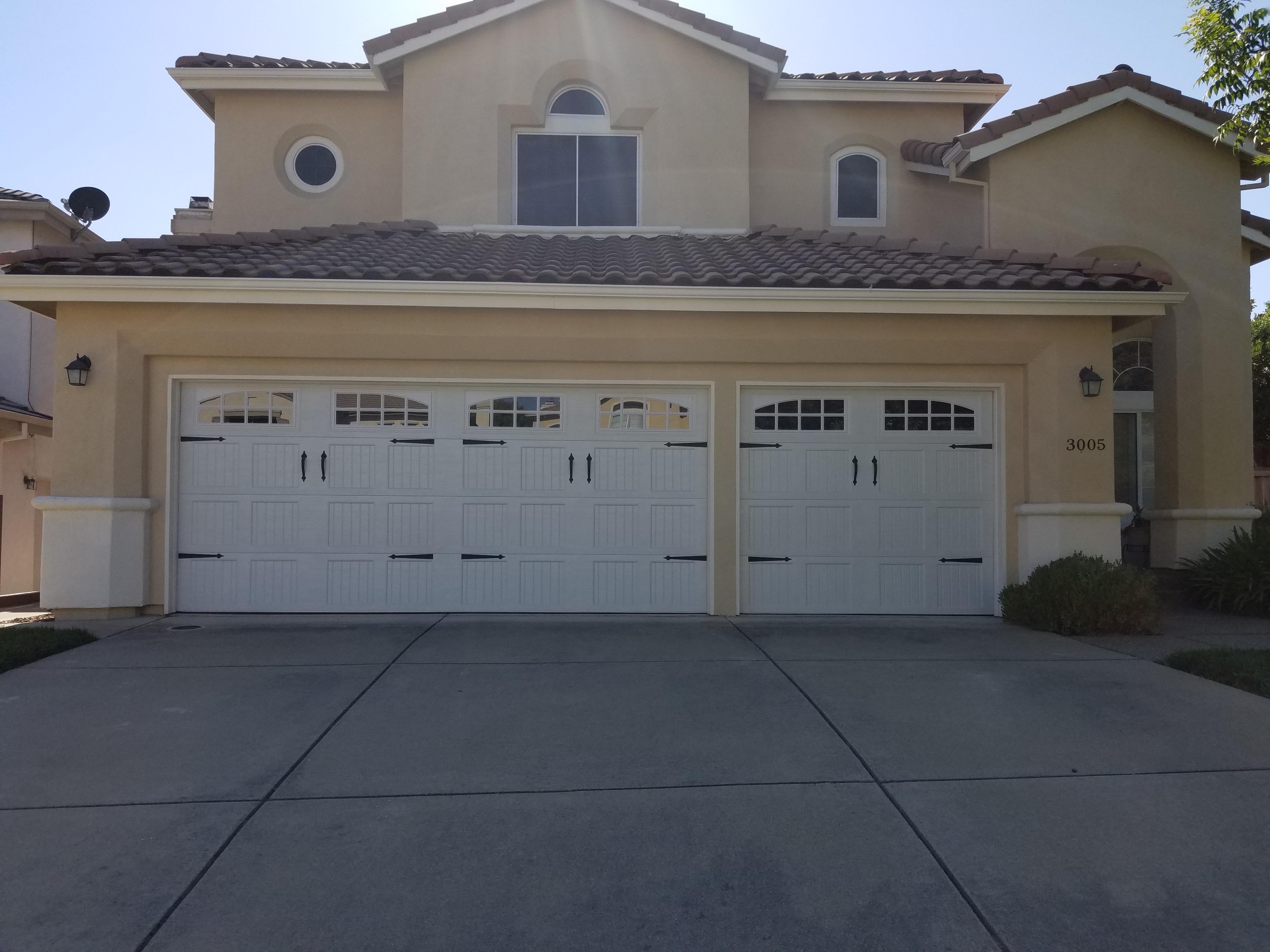 GR8 Garage Door image 1