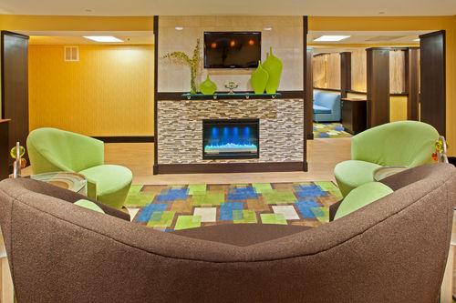 Holiday Inn Express Bowling Green image 1