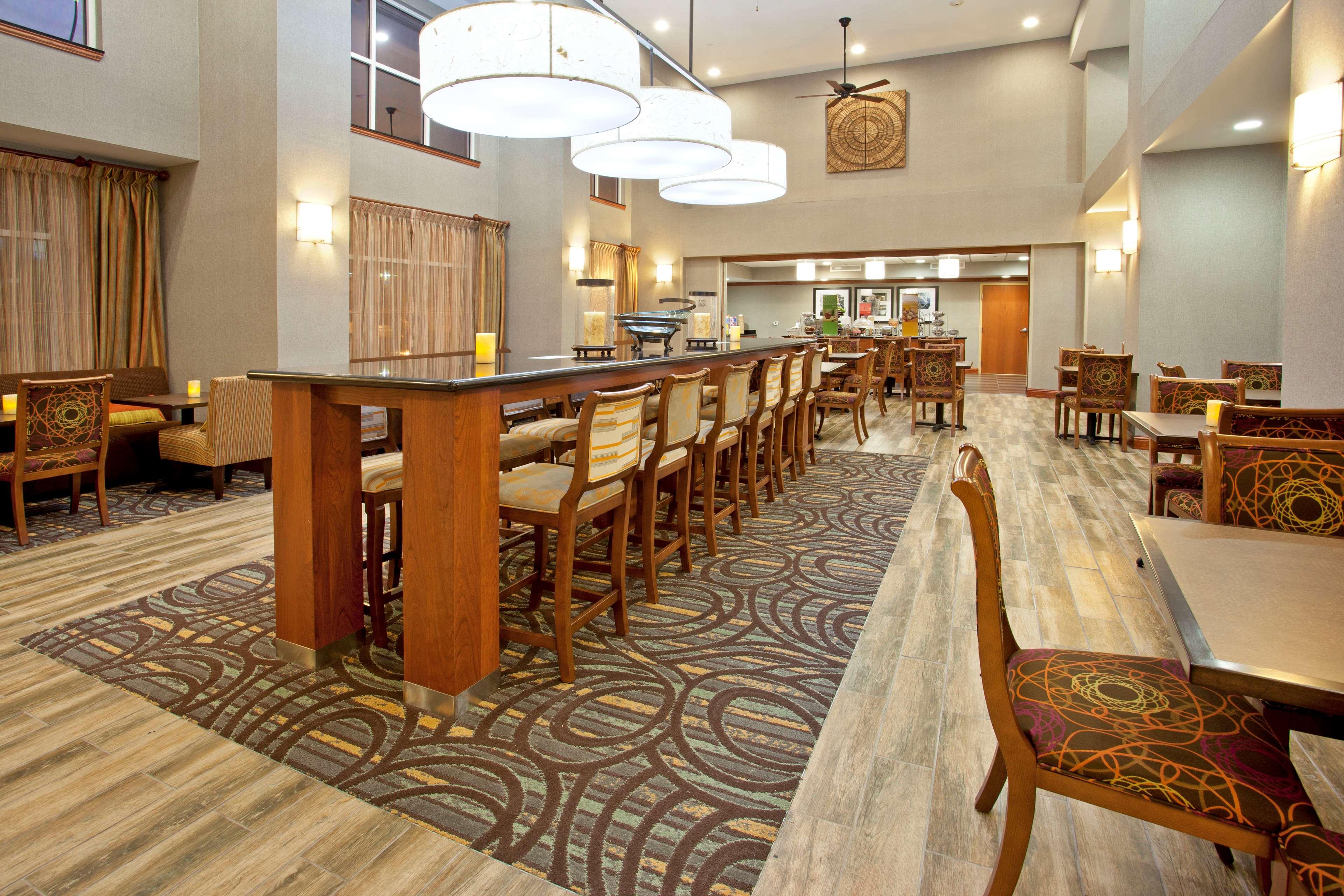 Hampton Inn & Suites Fort Worth-West-I-30 image 11