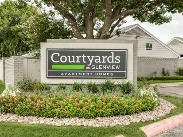 Courtyards on Glenview image 10
