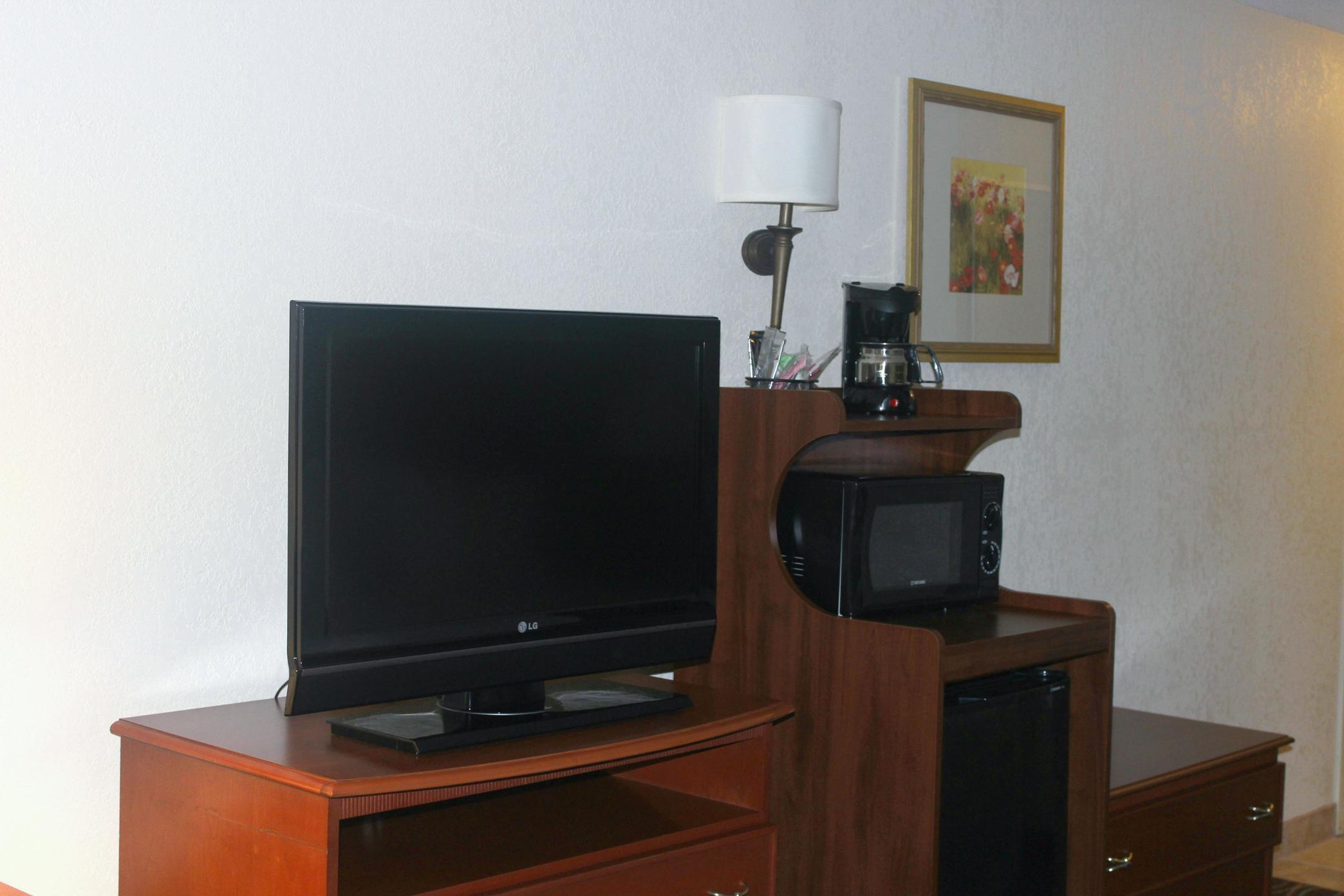 Hampton Inn & Suites Greenfield image 16