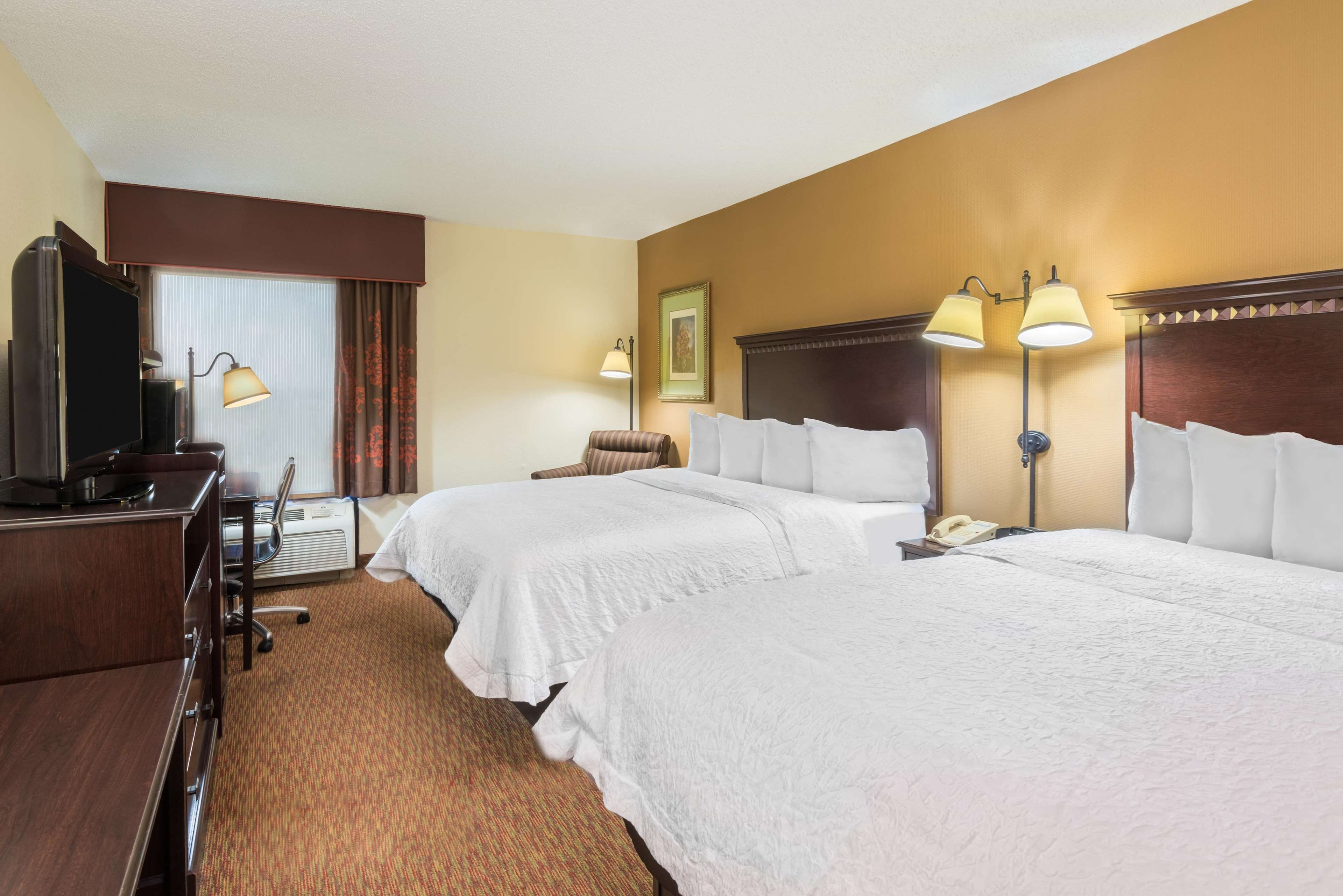 Hampton Inn Charlotte-University Place image 18