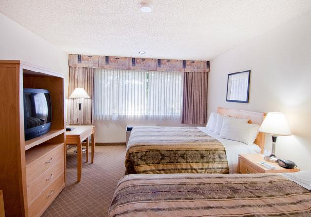 Best Western Chelsea Inn in Coquitlam: Two Queen Bed Guest Room
