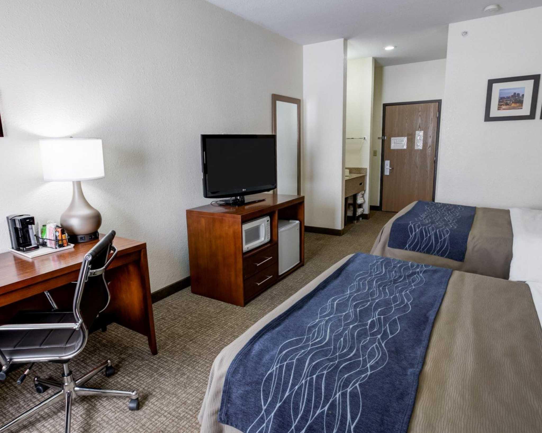 Comfort Inn Kearney - Liberty image 4