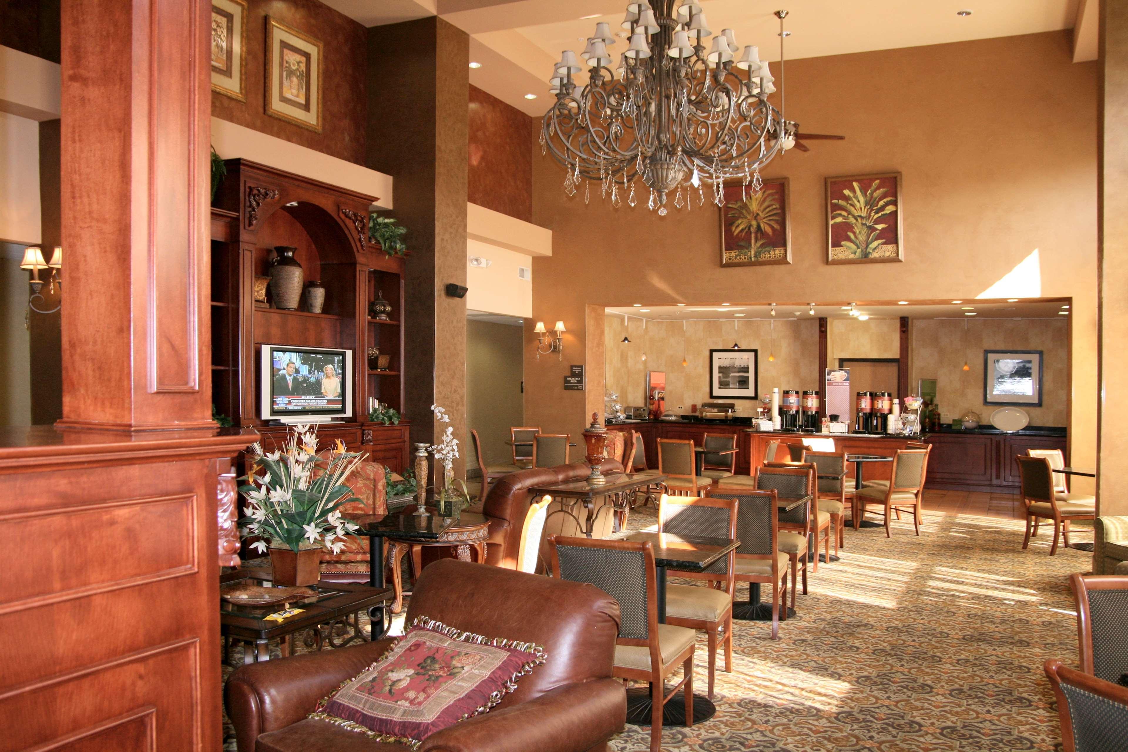 Hampton Inn & Suites Bolingbrook image 4