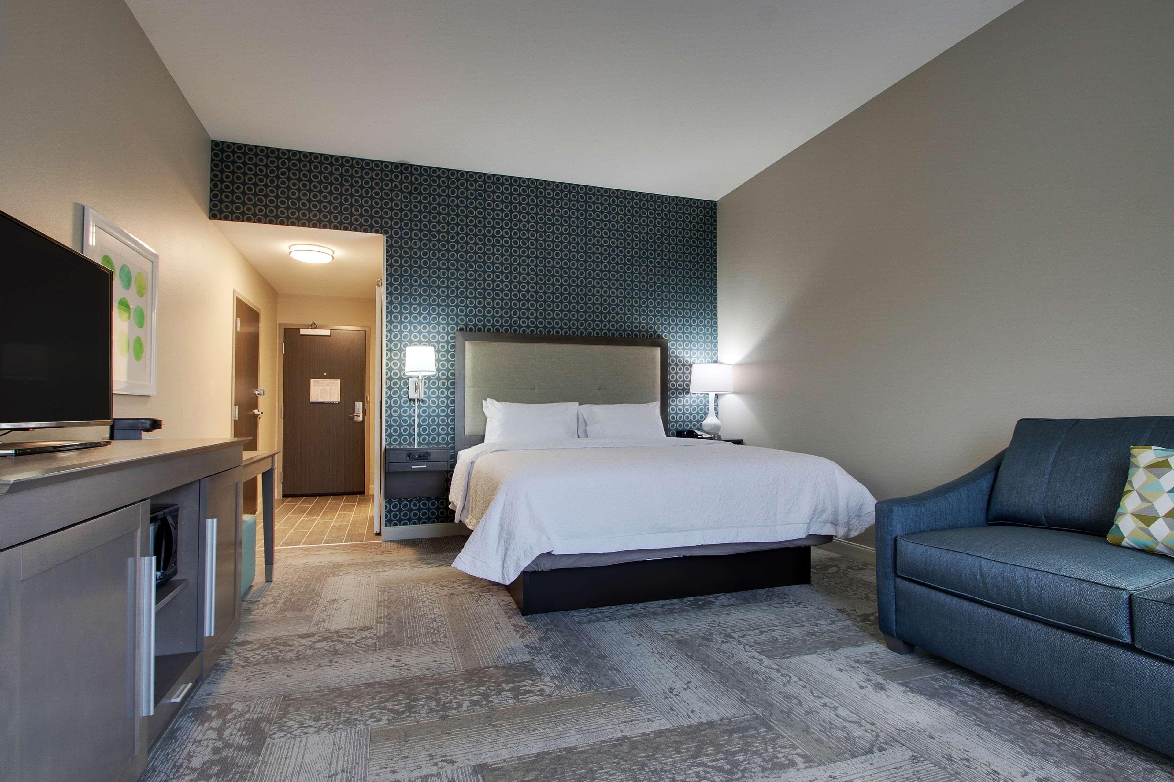 Hampton Inn & Suites Knightdale Raleigh image 39