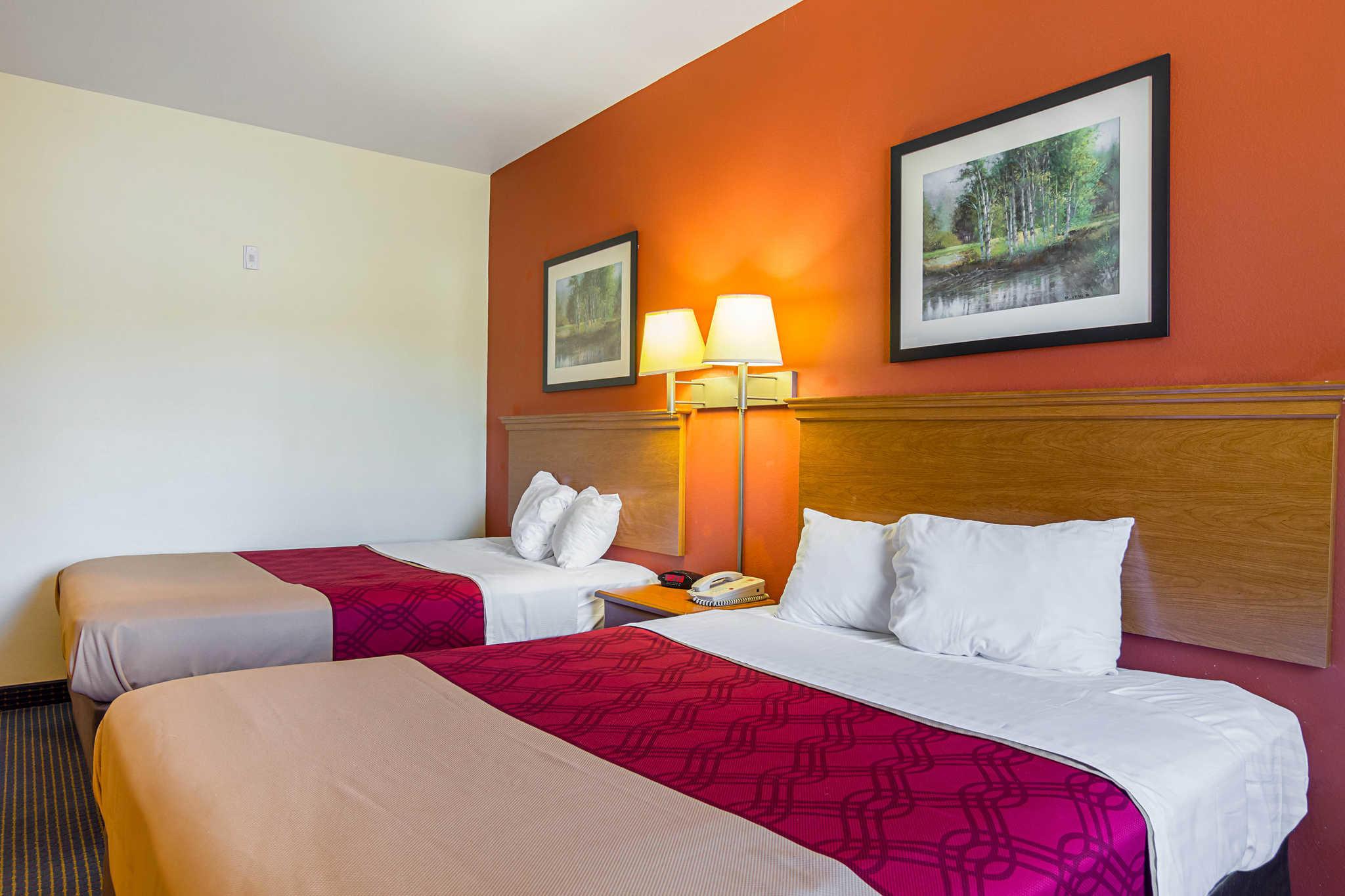 Econo Lodge Inn & Suites Pritchard Road North Little Rock image 13